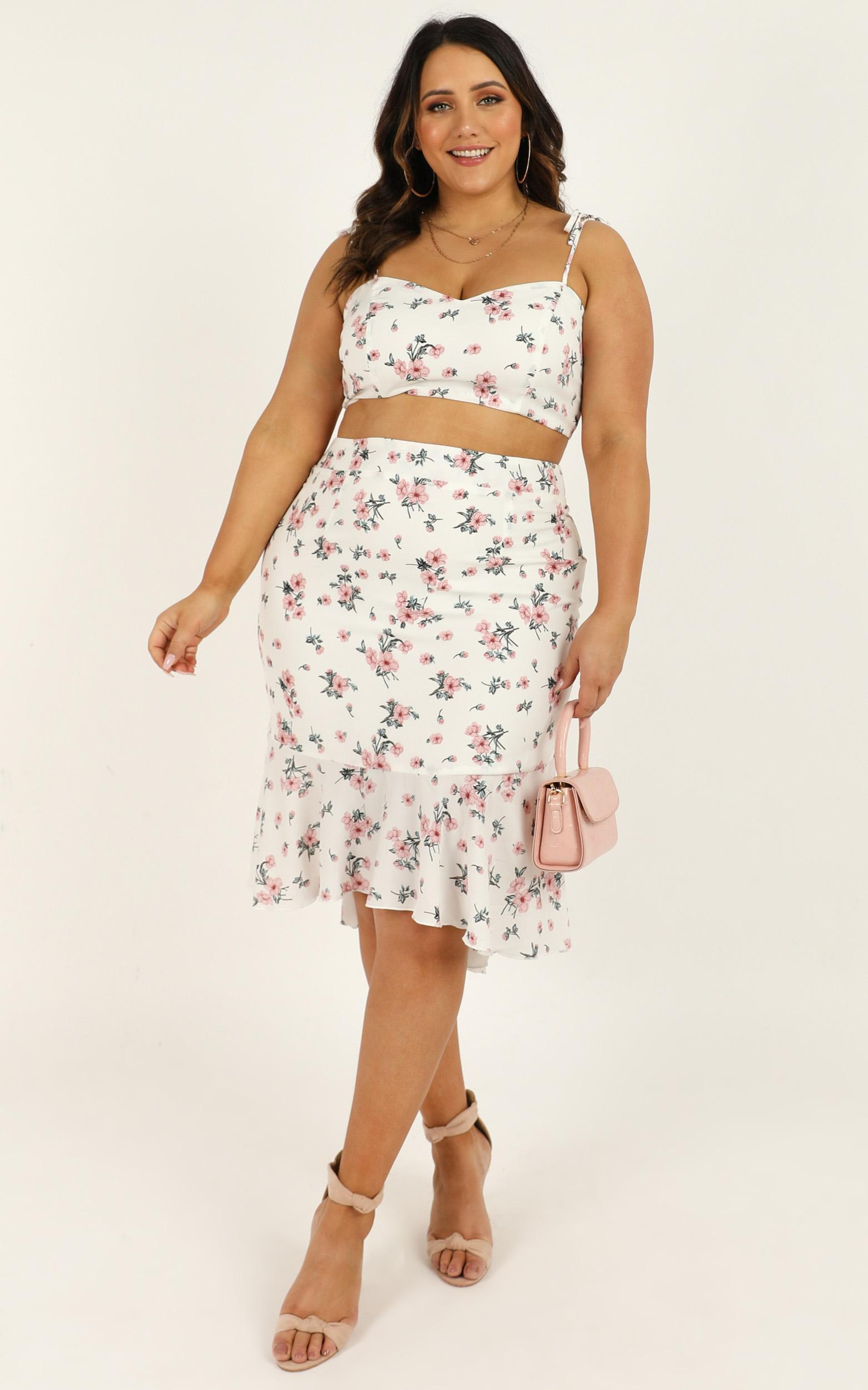 Any Time Two Piece Set in white floral - 20 (XXXXL), White, hi-res image number null
