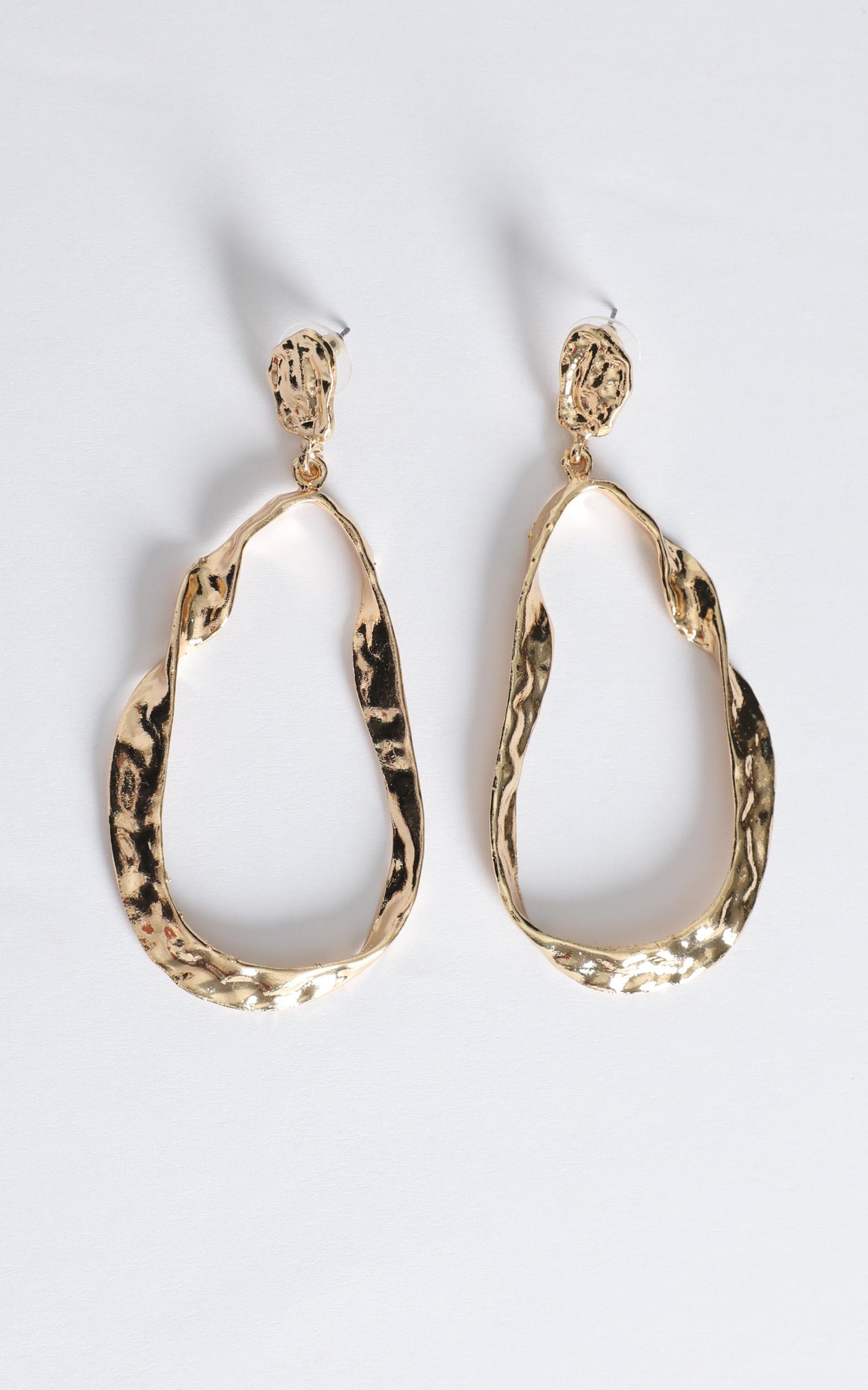 Onyx Drop Earrings in Gold, , hi-res image number null