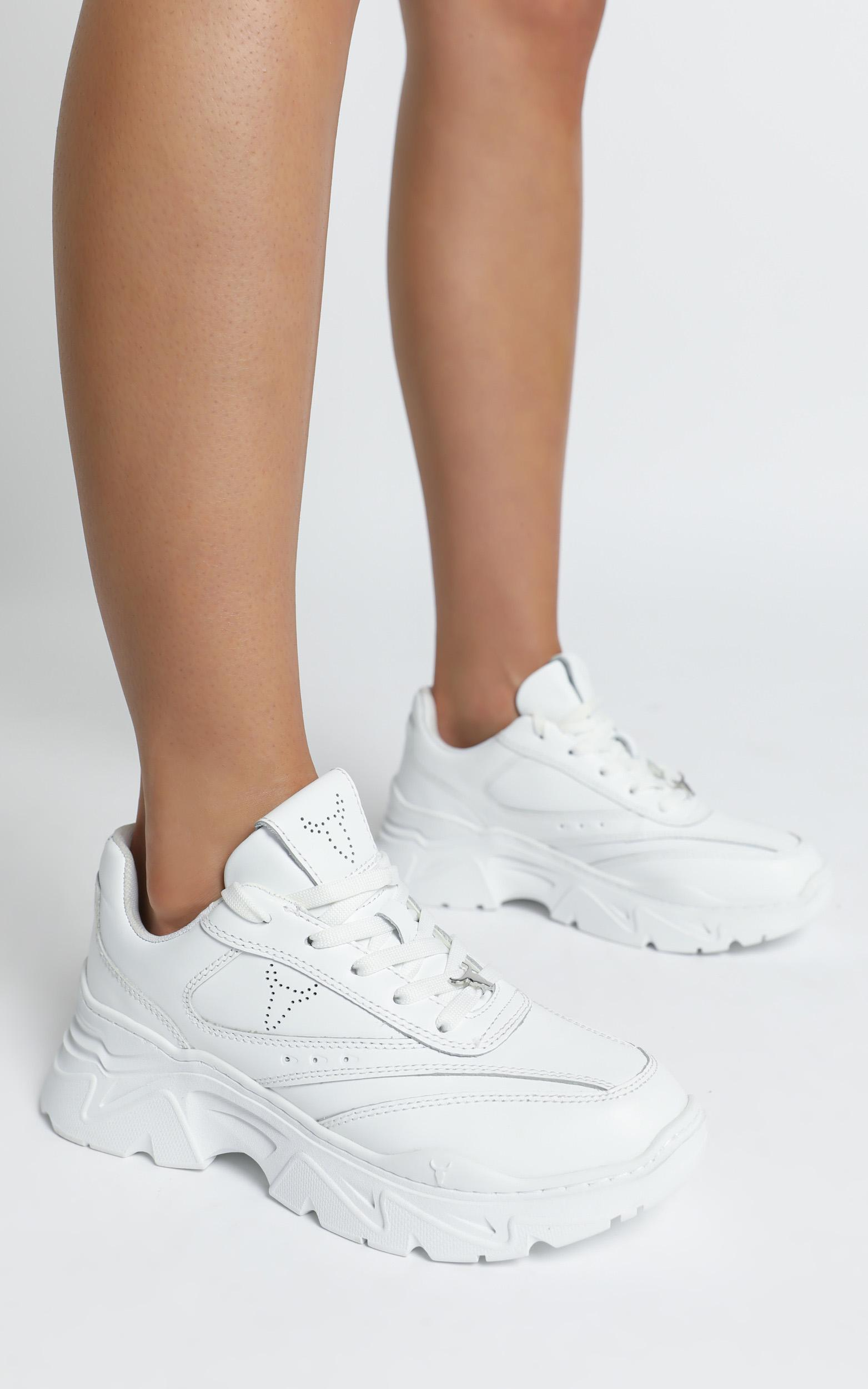Windsor Smith - Craze Sneakers in White Leather - 6, WHT2, hi-res image number null