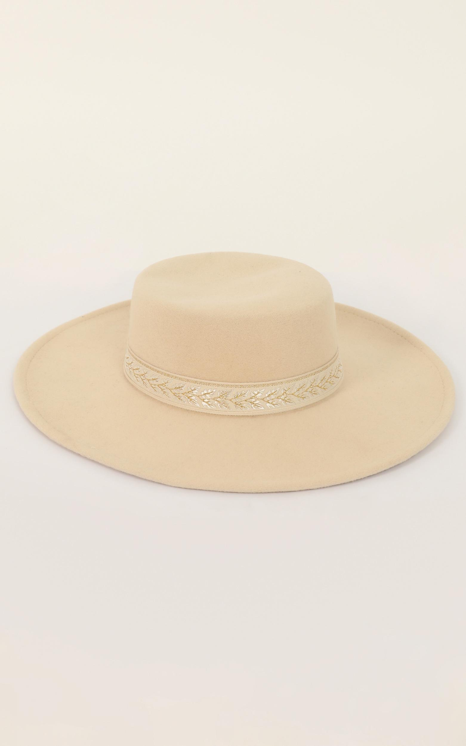Savannah Boater Hat In Cream, , hi-res image number null