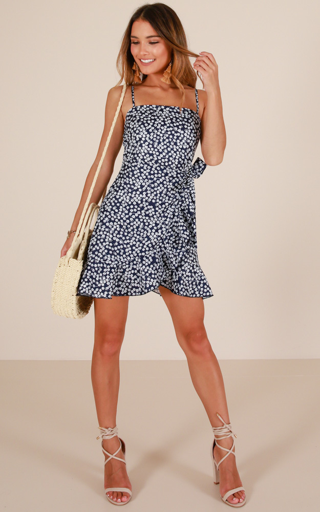 Dont Look Down dress in navy floral - 14 (XL), Navy, hi-res image number null