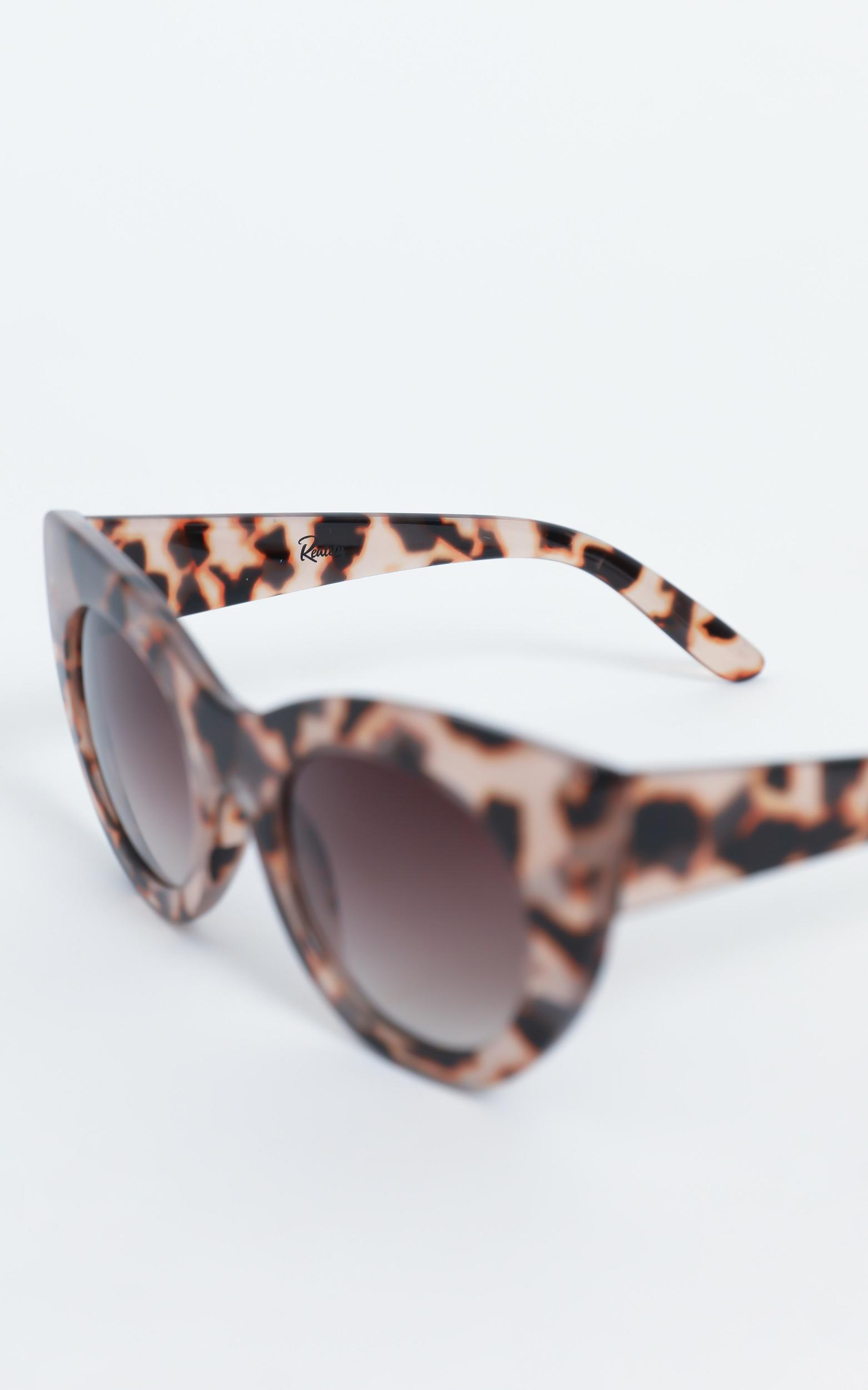 Reality Eyewear - Wild + Free Sunglasses in Blossom Turtle, , hi-res image number null