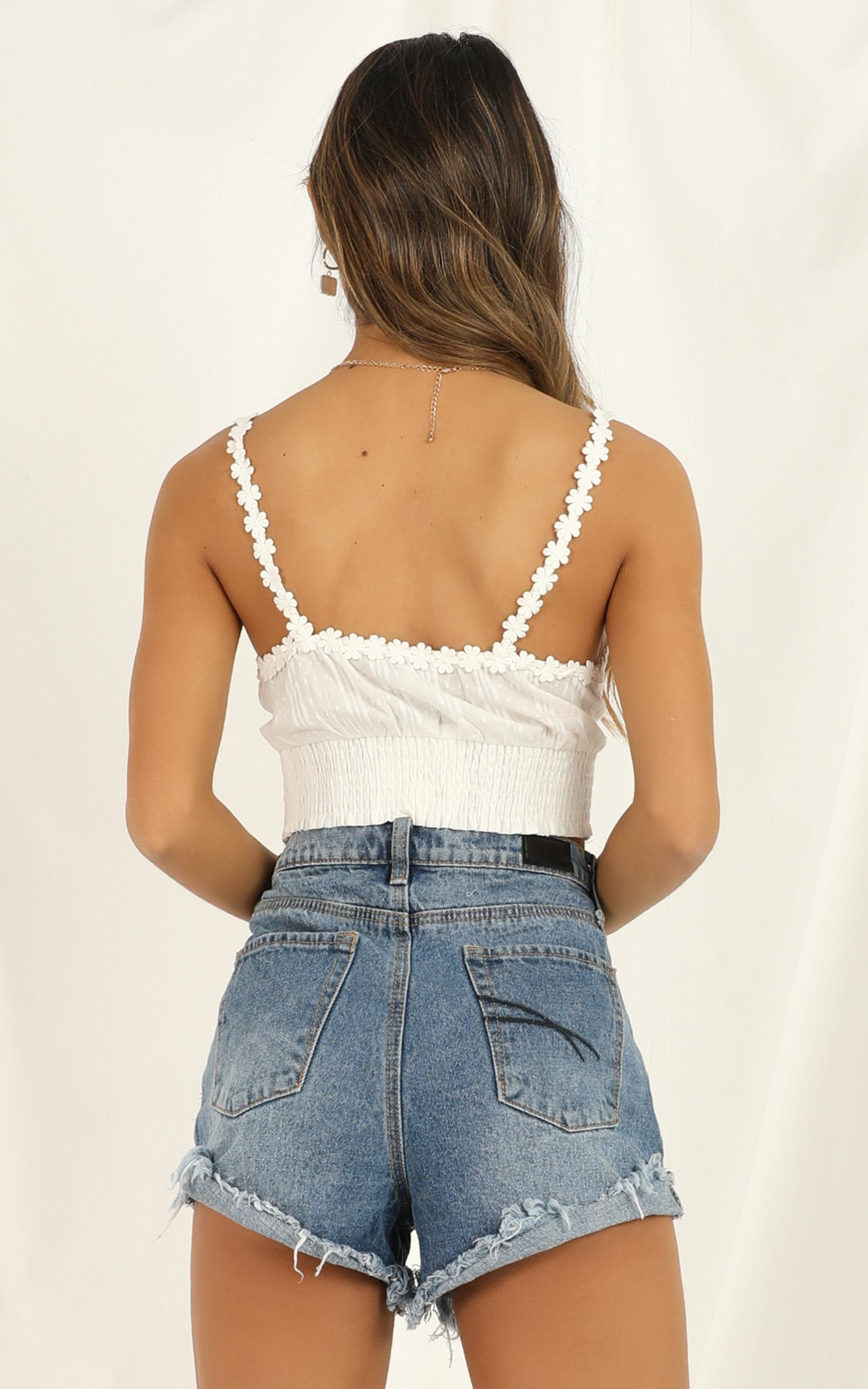 Full Bloom Top In White - 16 (XXL), White, hi-res image number null
