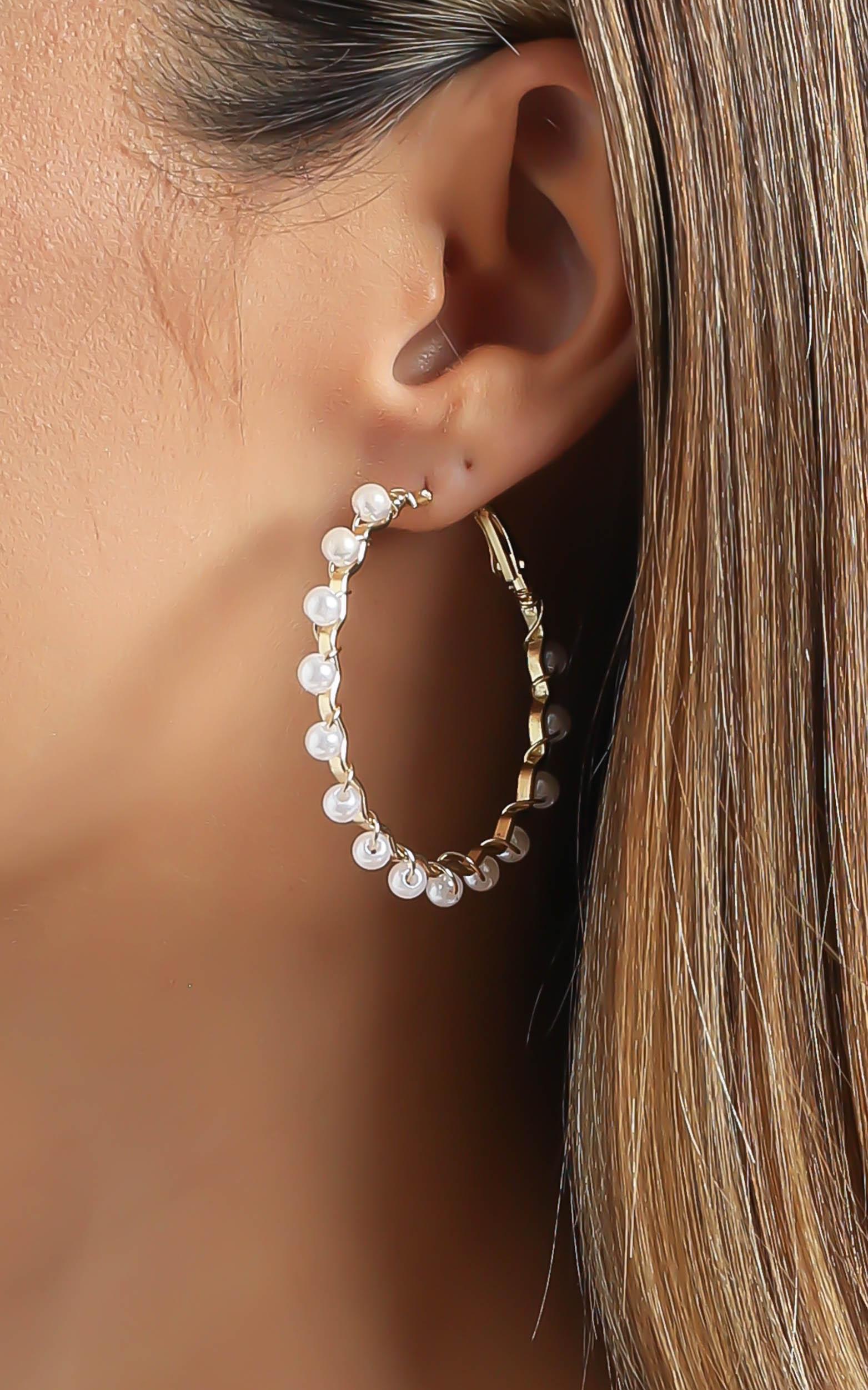 Hoop Earrings with Pearls in Gold, , hi-res image number null