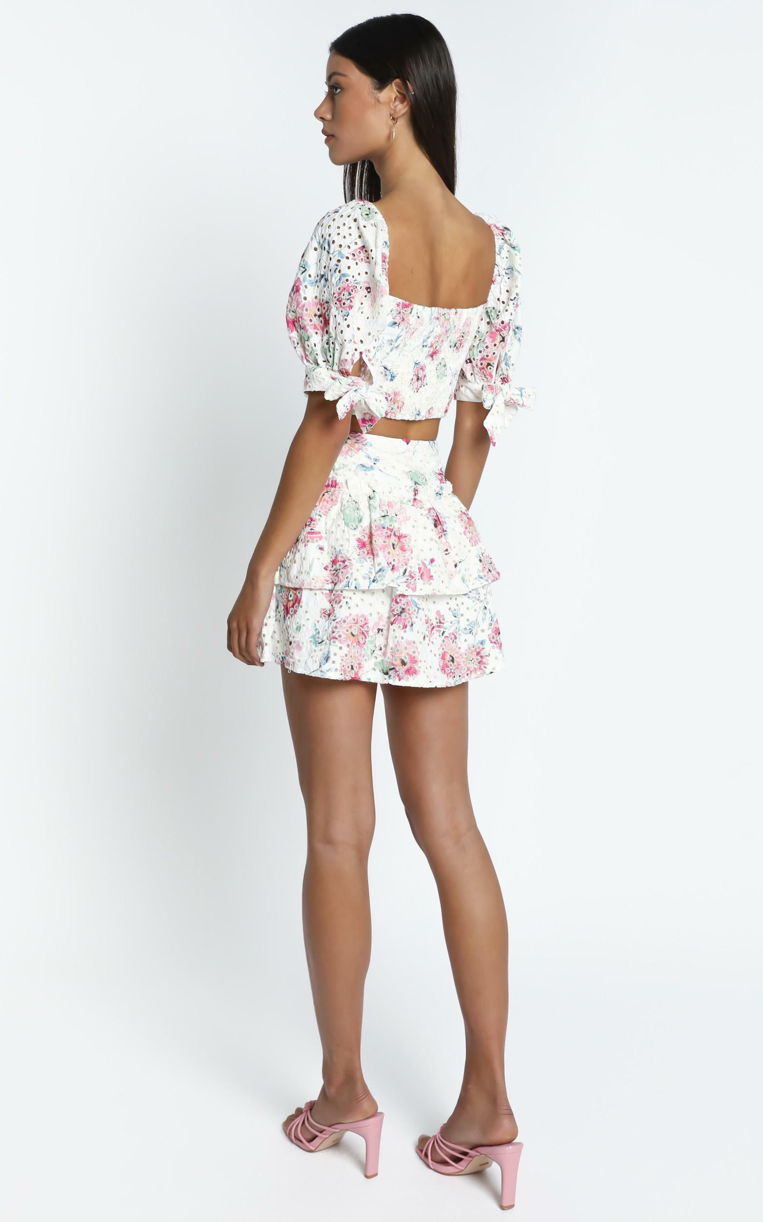 Kiah Skirt in White Floral - 14 (XL), White, hi-res image number null