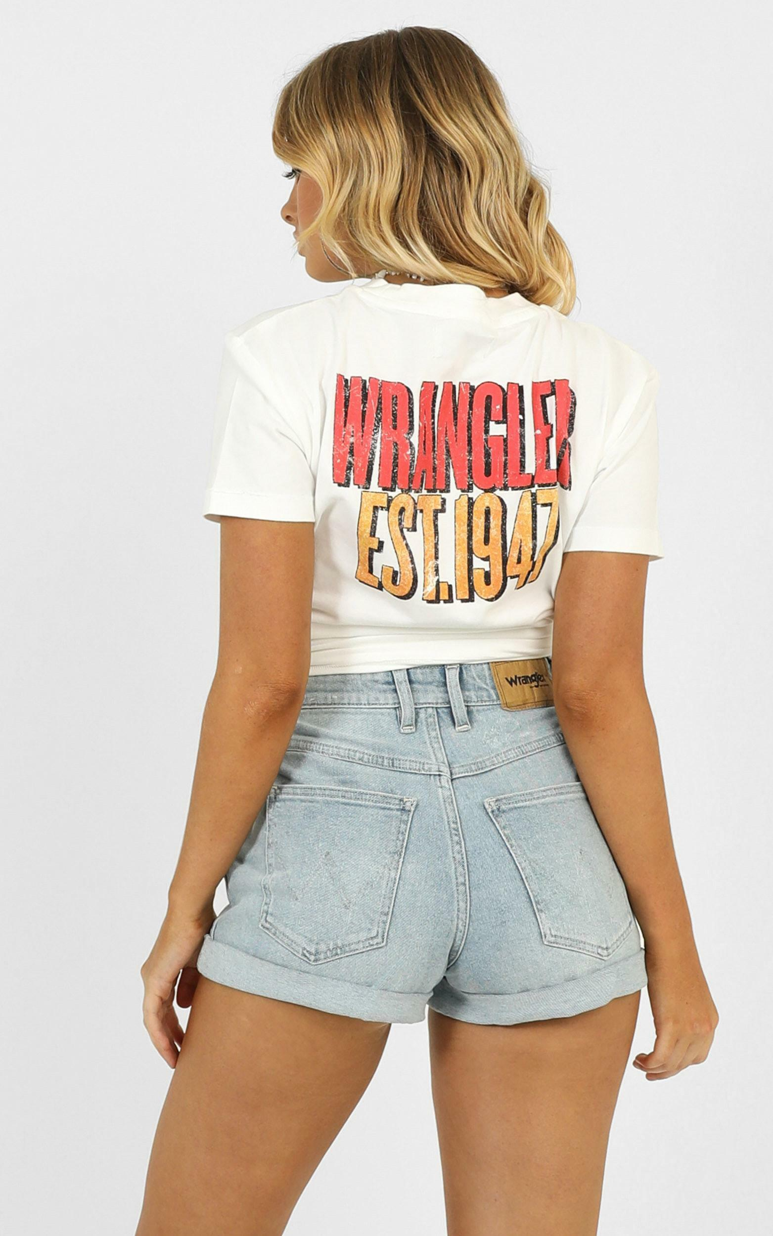 Wrangler - Tour Tee in white - 12 (L), White, hi-res image number null