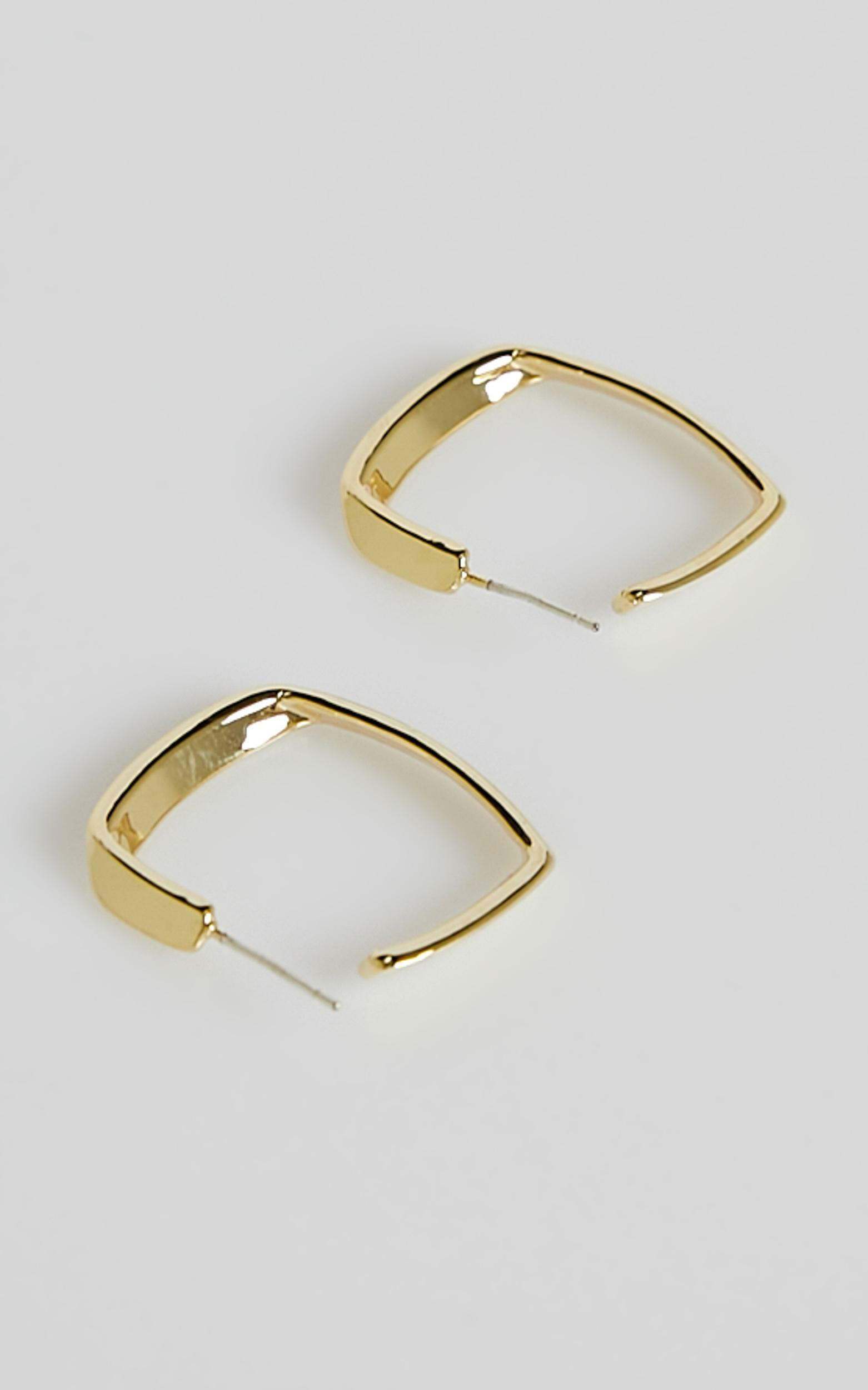 Mumfi Hoop Earrings in Gold, , hi-res image number null