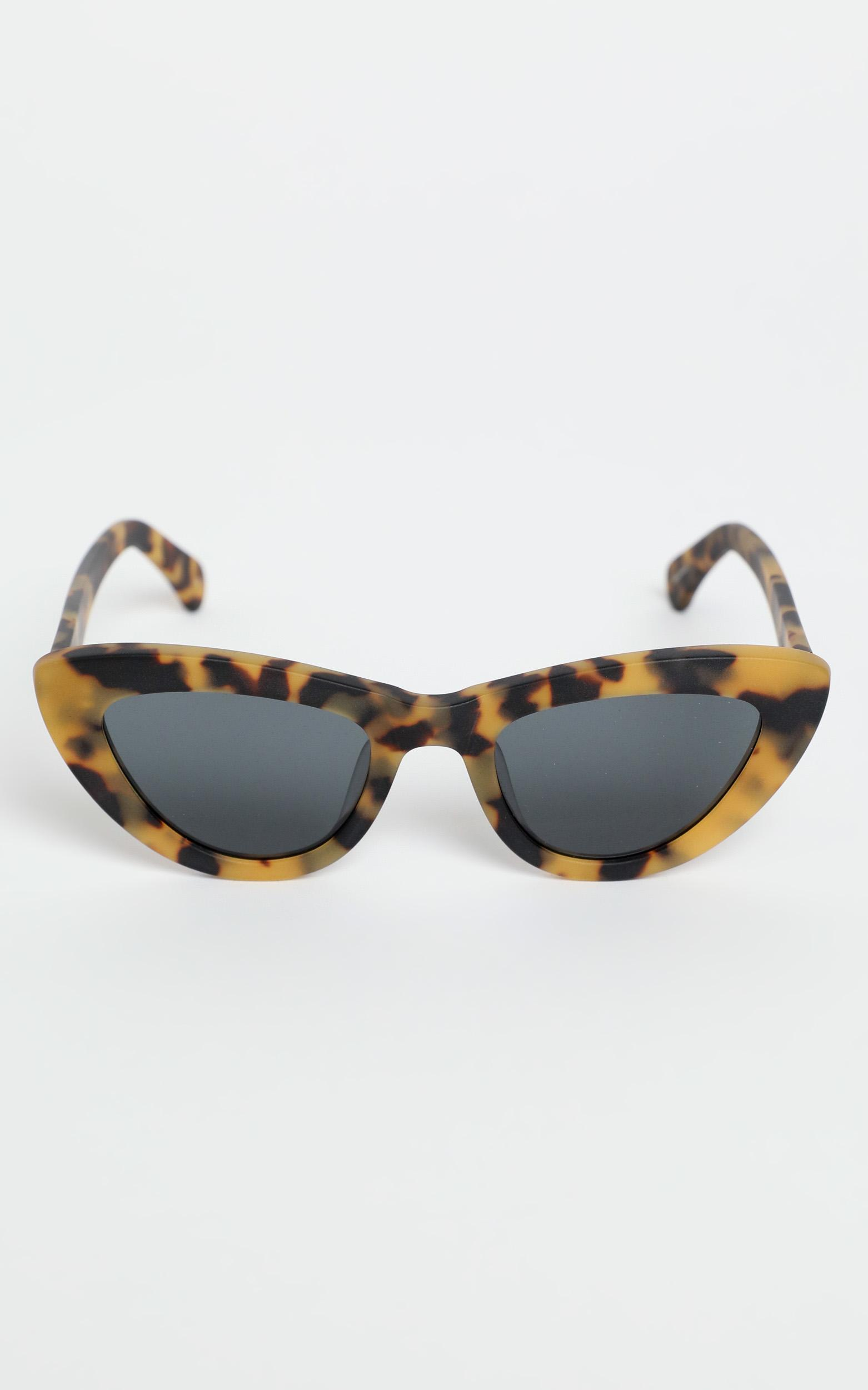 Oscar & Frank - The Duomo Sunglasses in Matte Tort, Brown, hi-res image number null