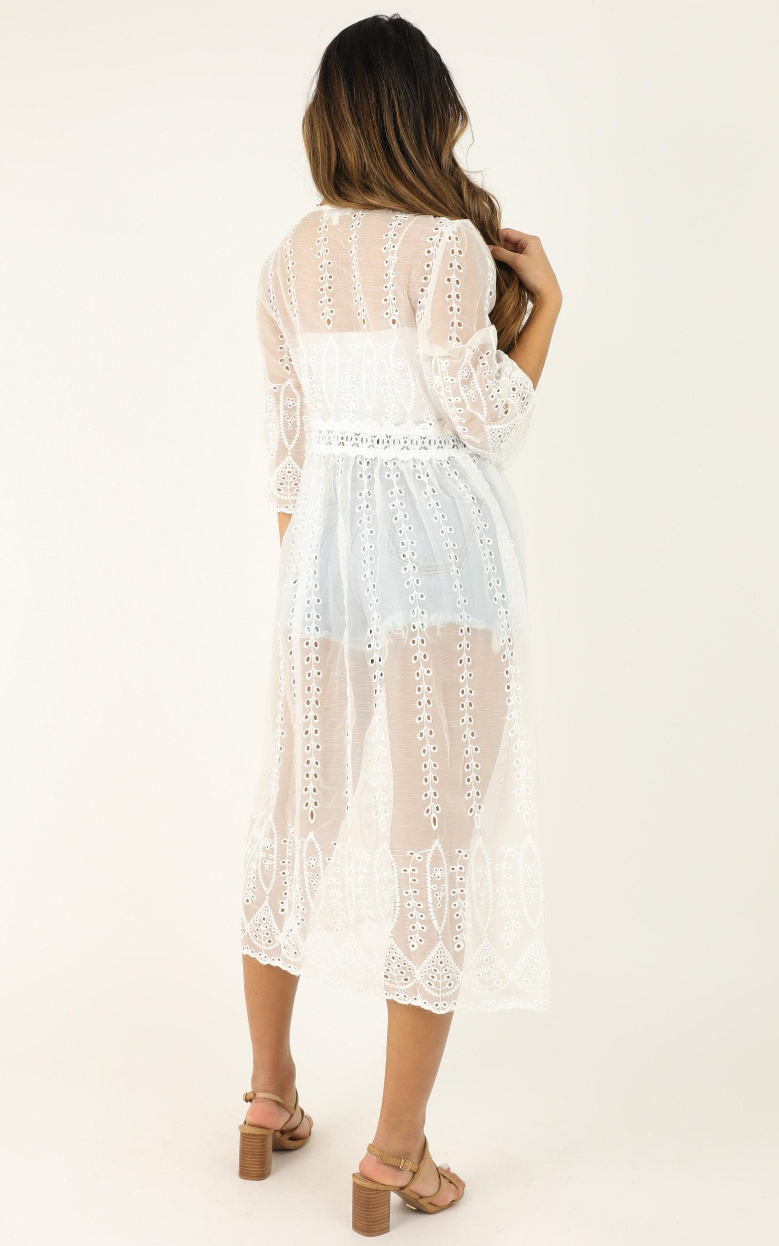 Too Cool To Love kimono in white lace - 12 (L), White, hi-res image number null