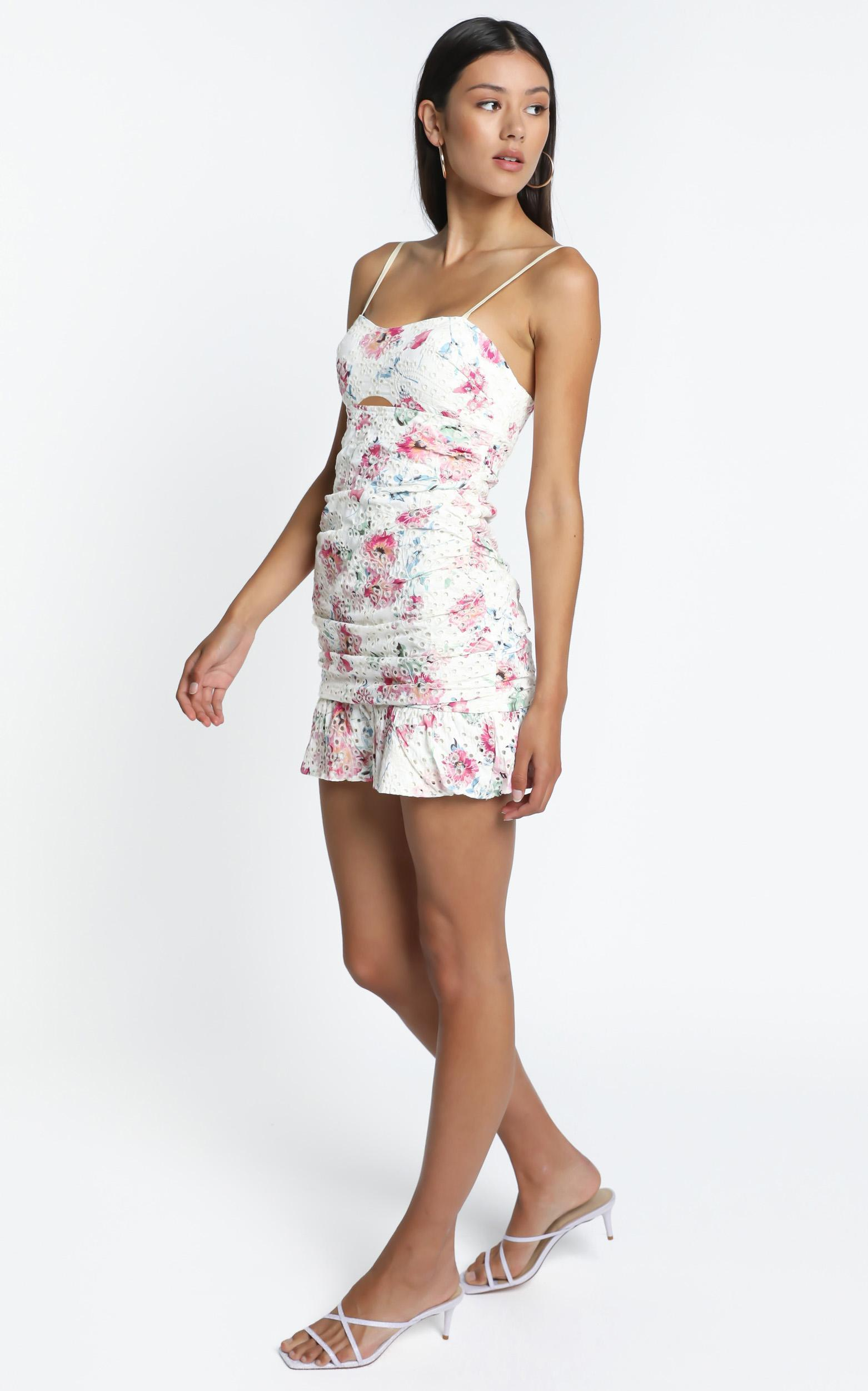Augustine Dress In  White Floral - 14 (XL), White, hi-res image number null