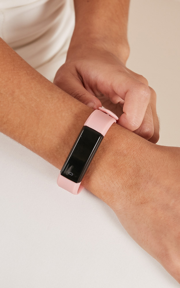 Keep On Moving fitness watch in pink, Pink, hi-res image number null
