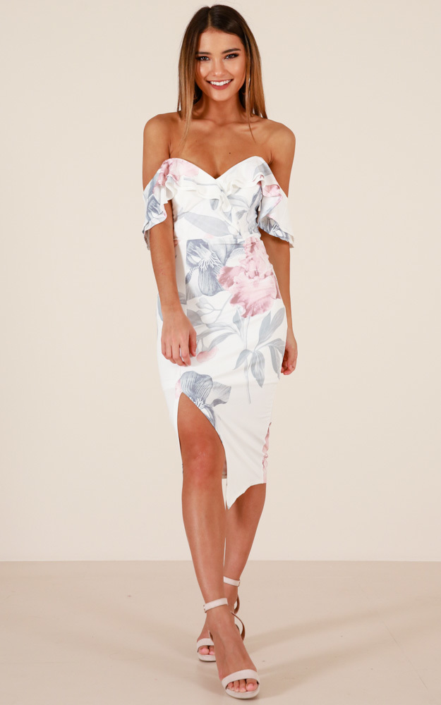 Keep Chasing Me dress in white floral - 14 (XL), White, hi-res image number null
