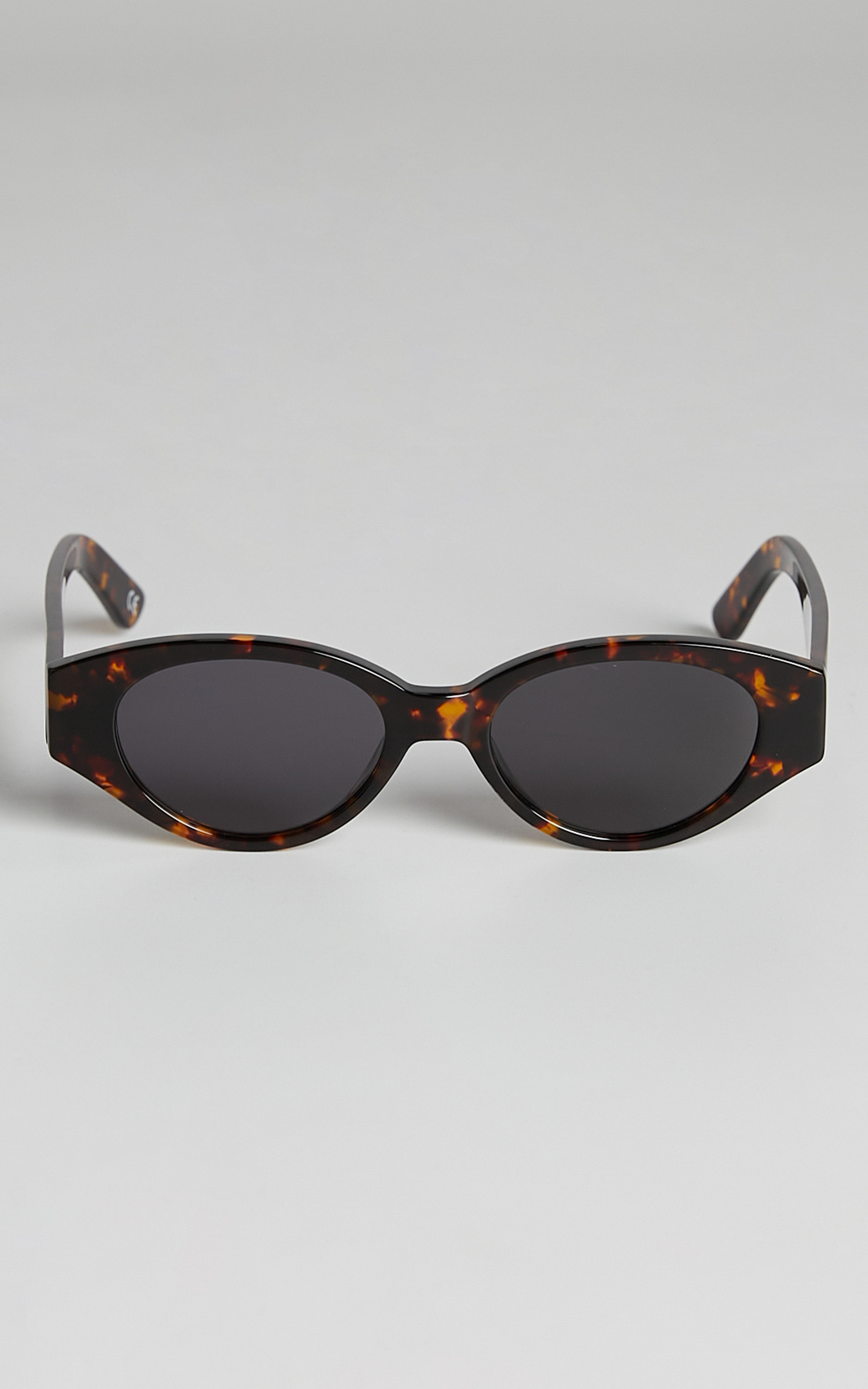 Luv Lou - The Joanie Sunglasses in Tort, BRN1, hi-res image number null