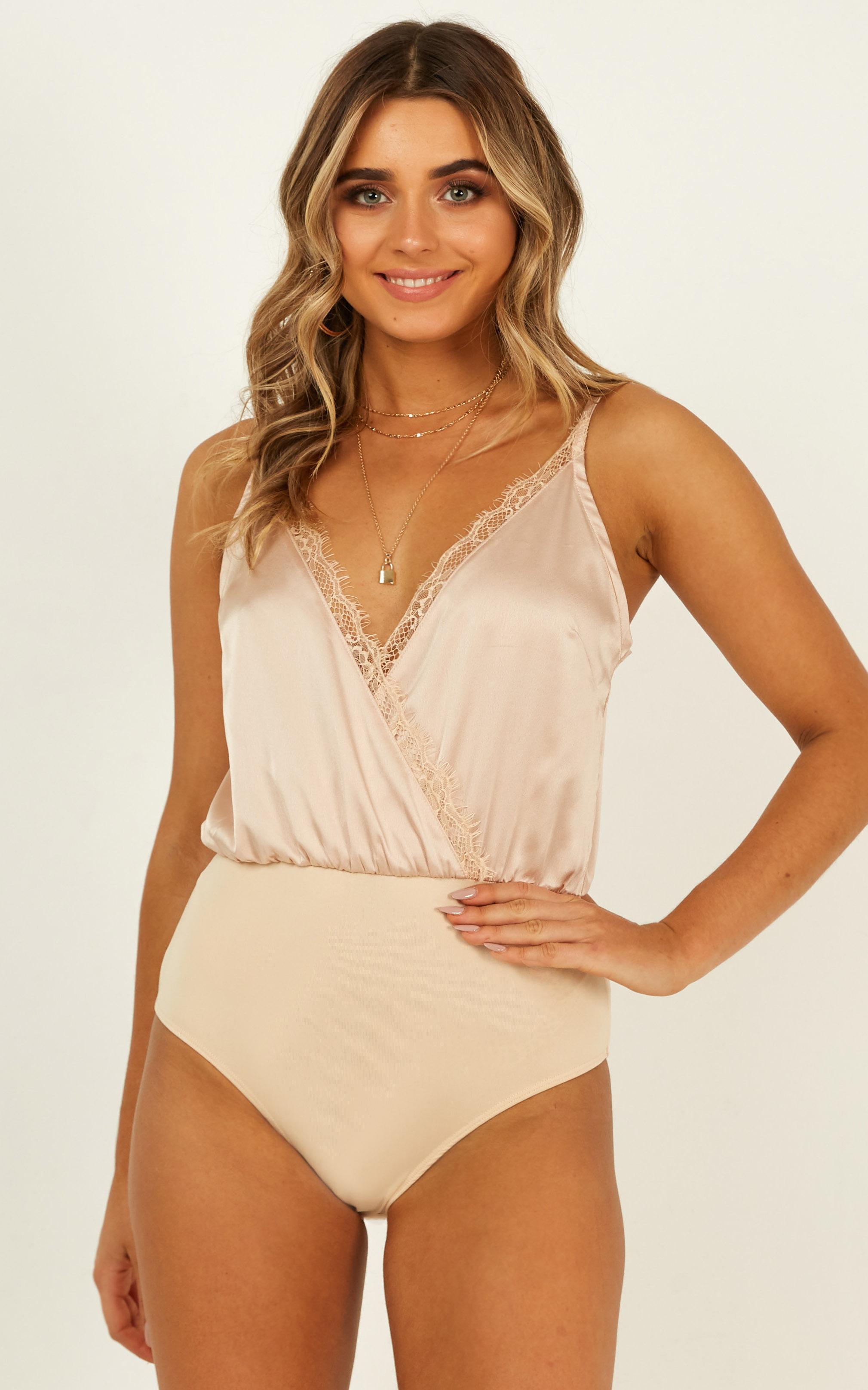 Welcome Home bodysuit in champagne satin - 12 (L), Beige, hi-res image number null