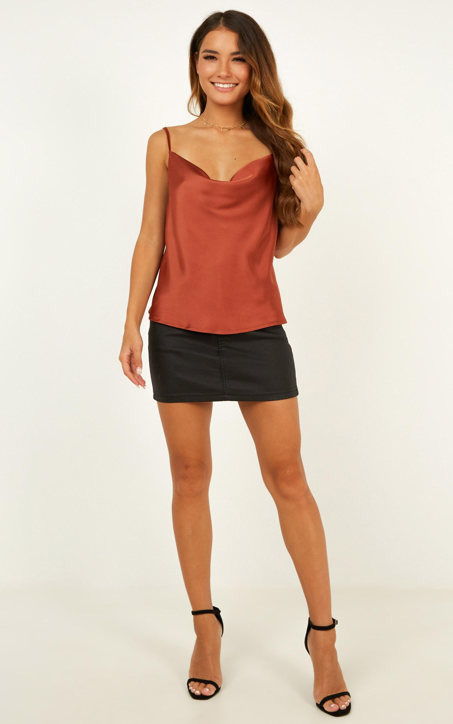 Straight Line top in rust satin - 20 (XXXXL), Rust, hi-res image number null