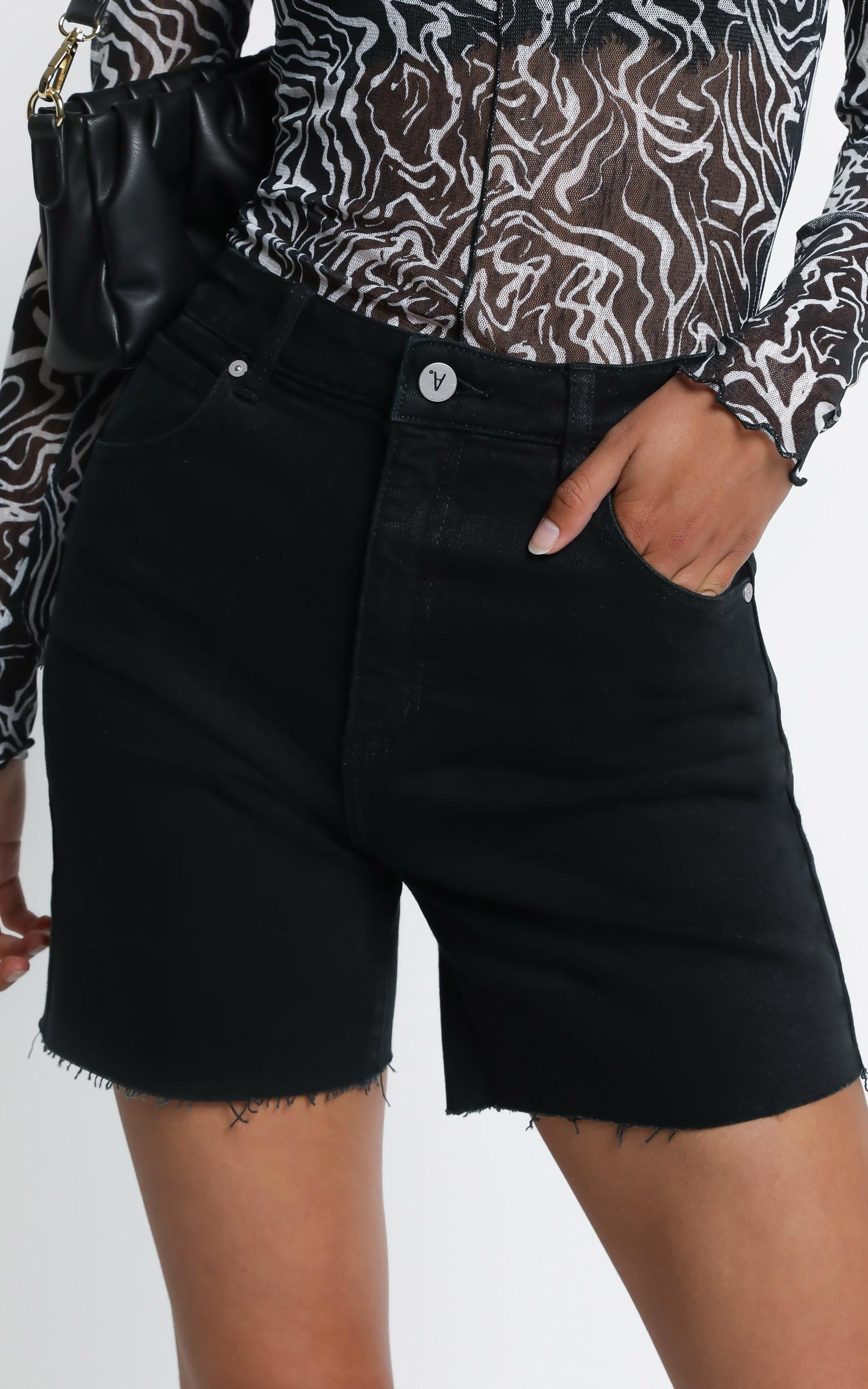 Abrand - Claudia Cut Off Denim Shorts in Dead Of The Night - 6 (XS), BLK3, hi-res image number null