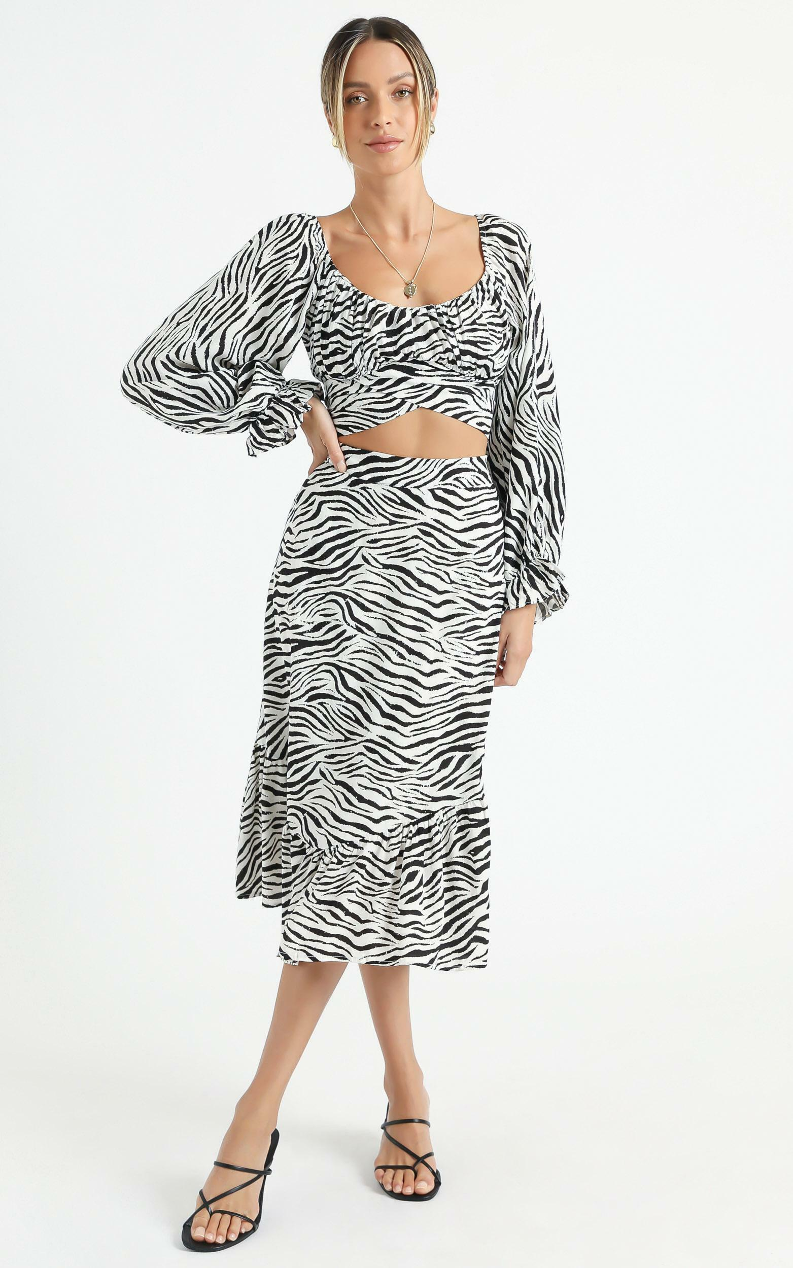 Alissia Two Piece Set In Zebra Print - 6 (XS), Multi, hi-res image number null