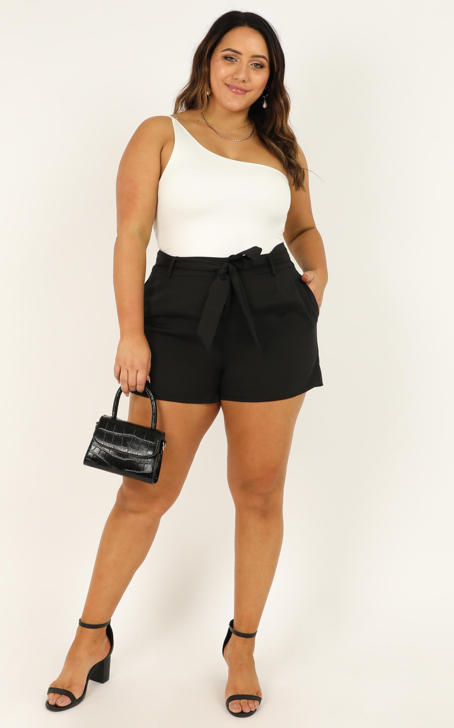 Resolution Shorts in black - 18 (XXXL), Black, hi-res image number null
