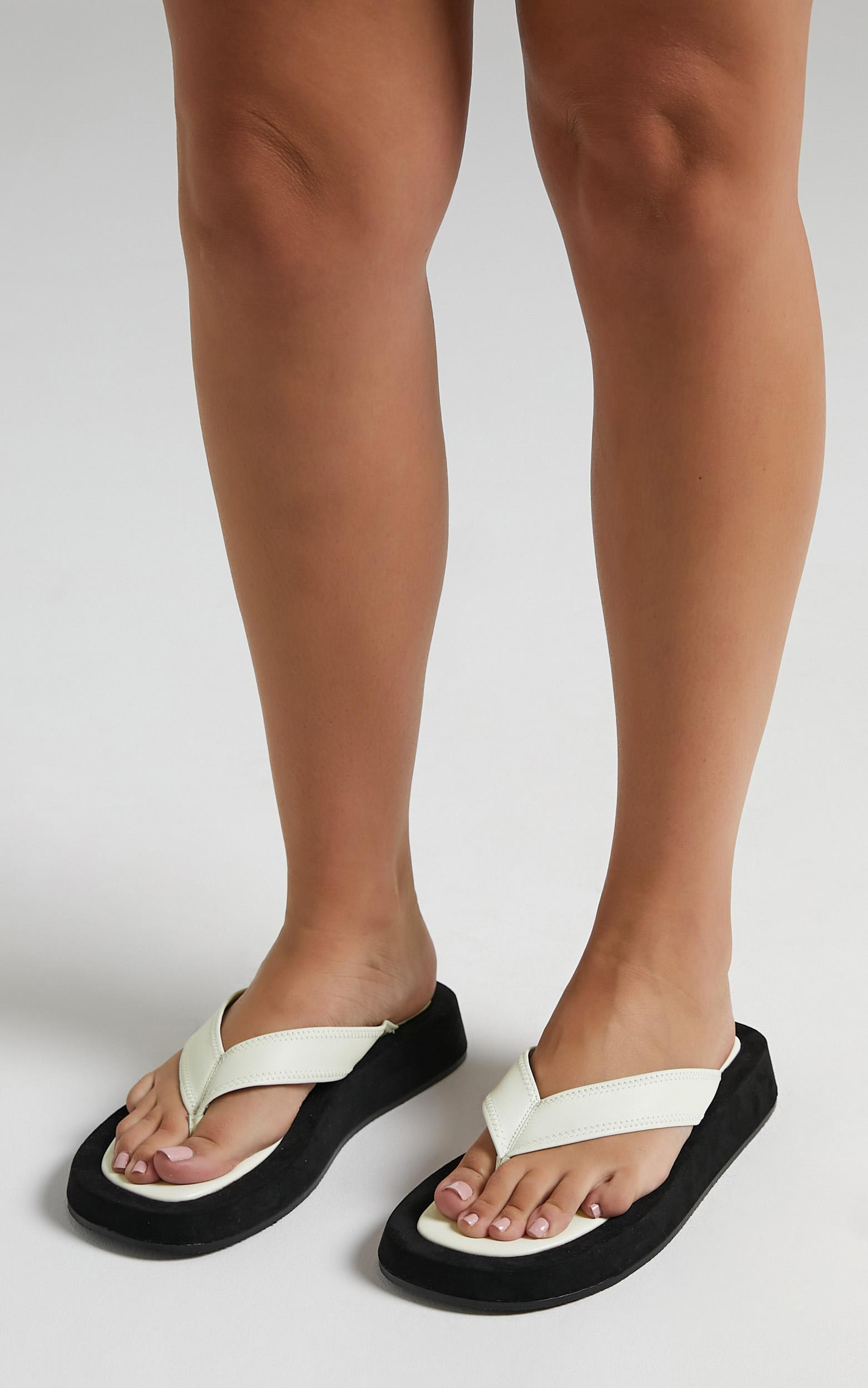 Alias Mae - Poppy Sandals in Ivory Leather - 5.5, White, hi-res image number null