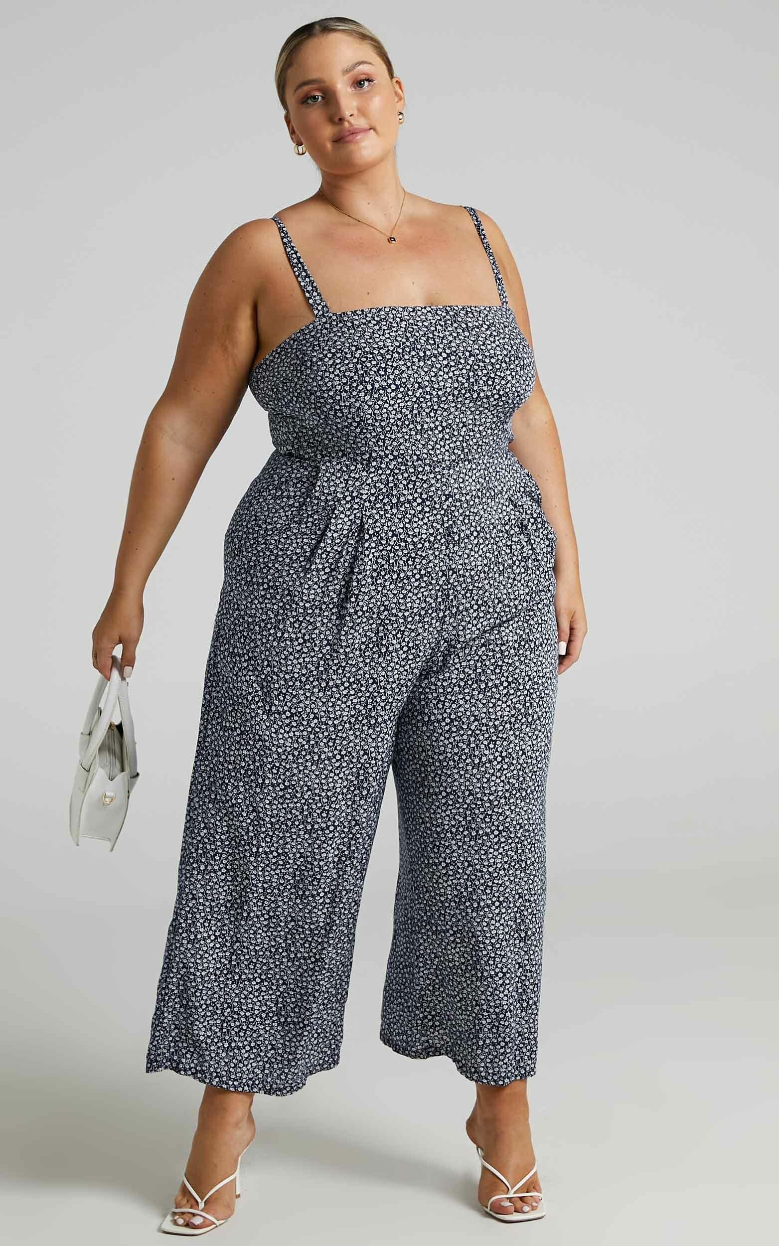 Life On The Road Jumpsuit in Navy Floral - 06, NVY3, hi-res image number null