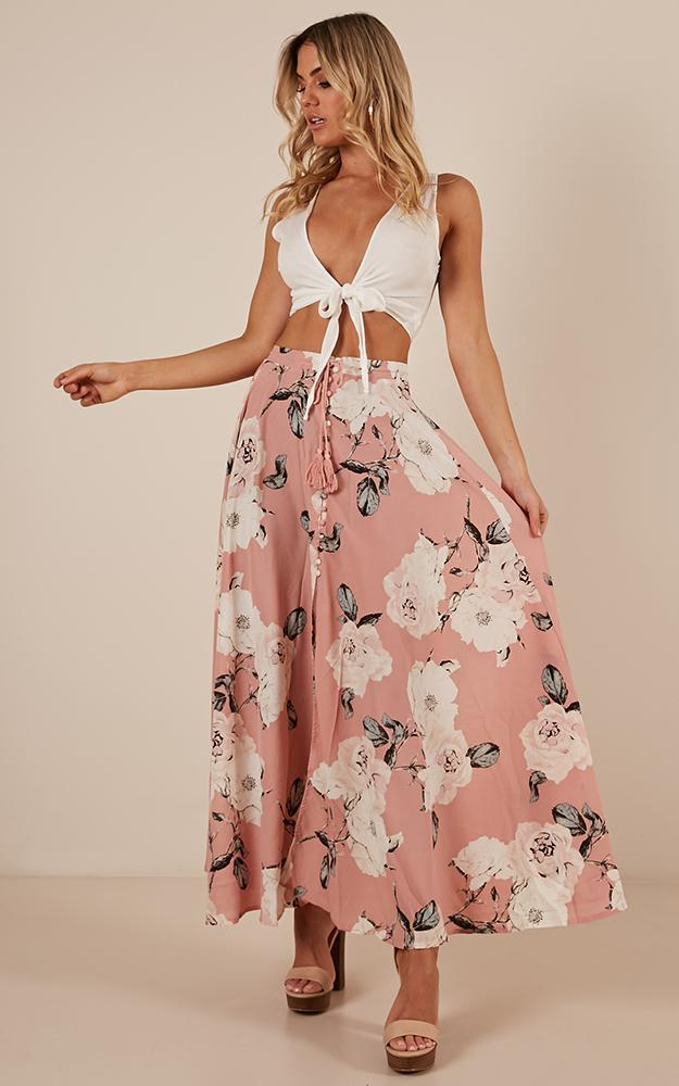 Flying On Neverland maxi skirt in dusty pink floral  - 20 (XXXXL), Pink, hi-res image number null