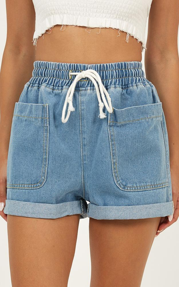 Feel The Tide denim shorts in mid wash - 14 (XL), Blue, hi-res image number null