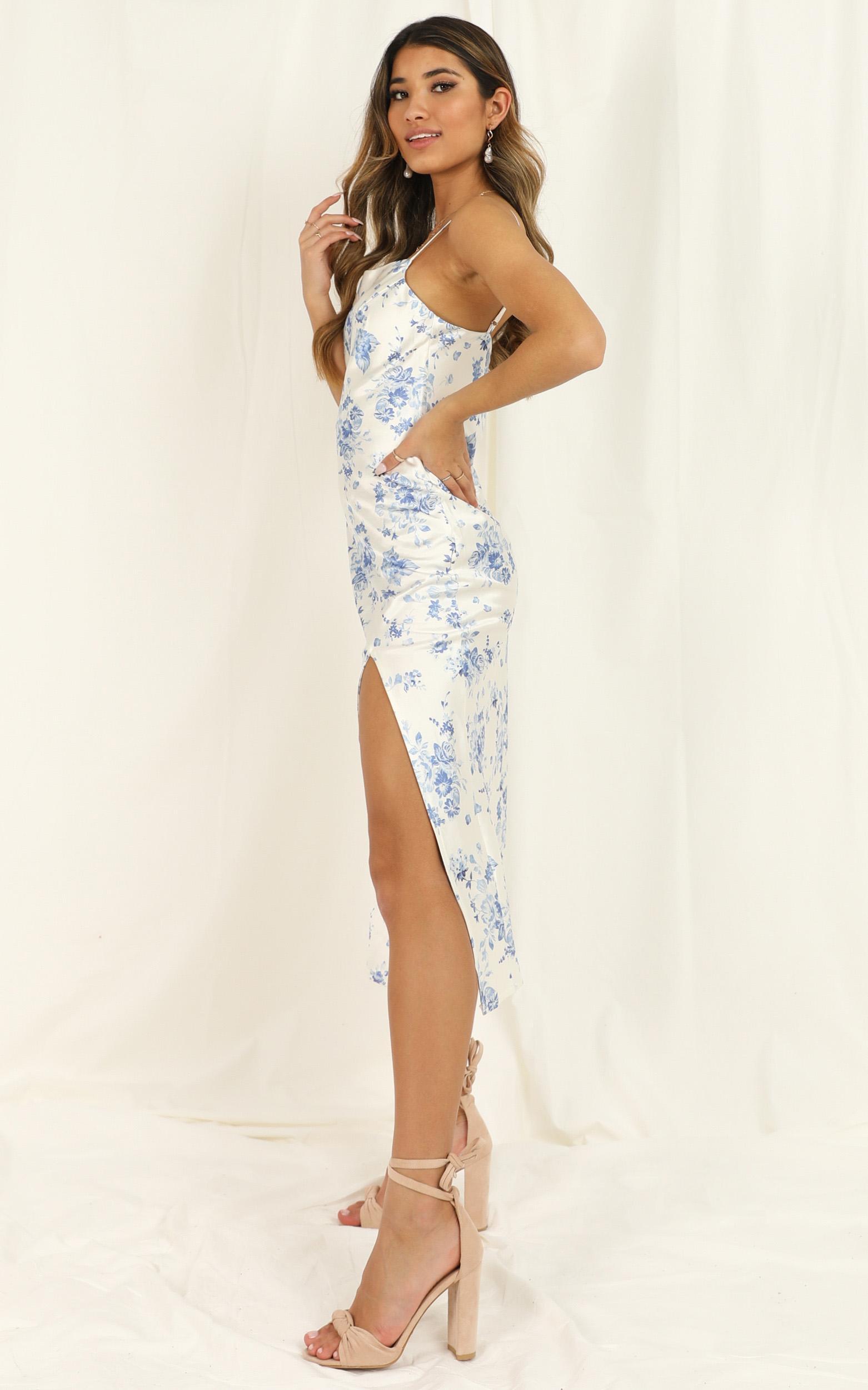 Minimizing Risk dress in white floral satin - 12 (L), White, hi-res image number null