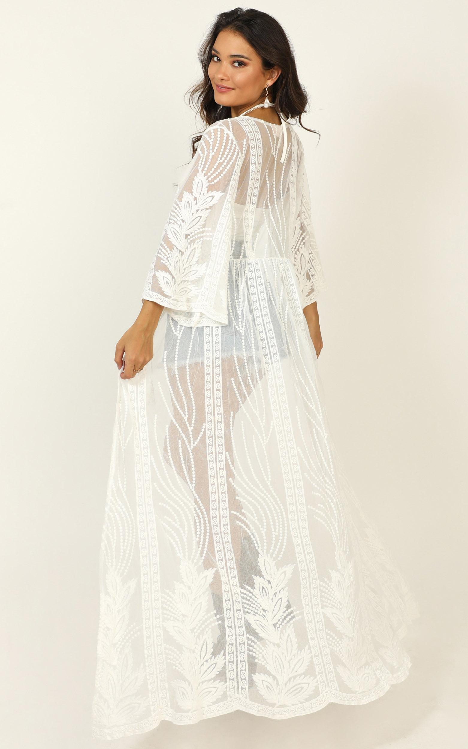 Strong Contender Kimono in white lace - 20 (XXXXL), White, hi-res image number null