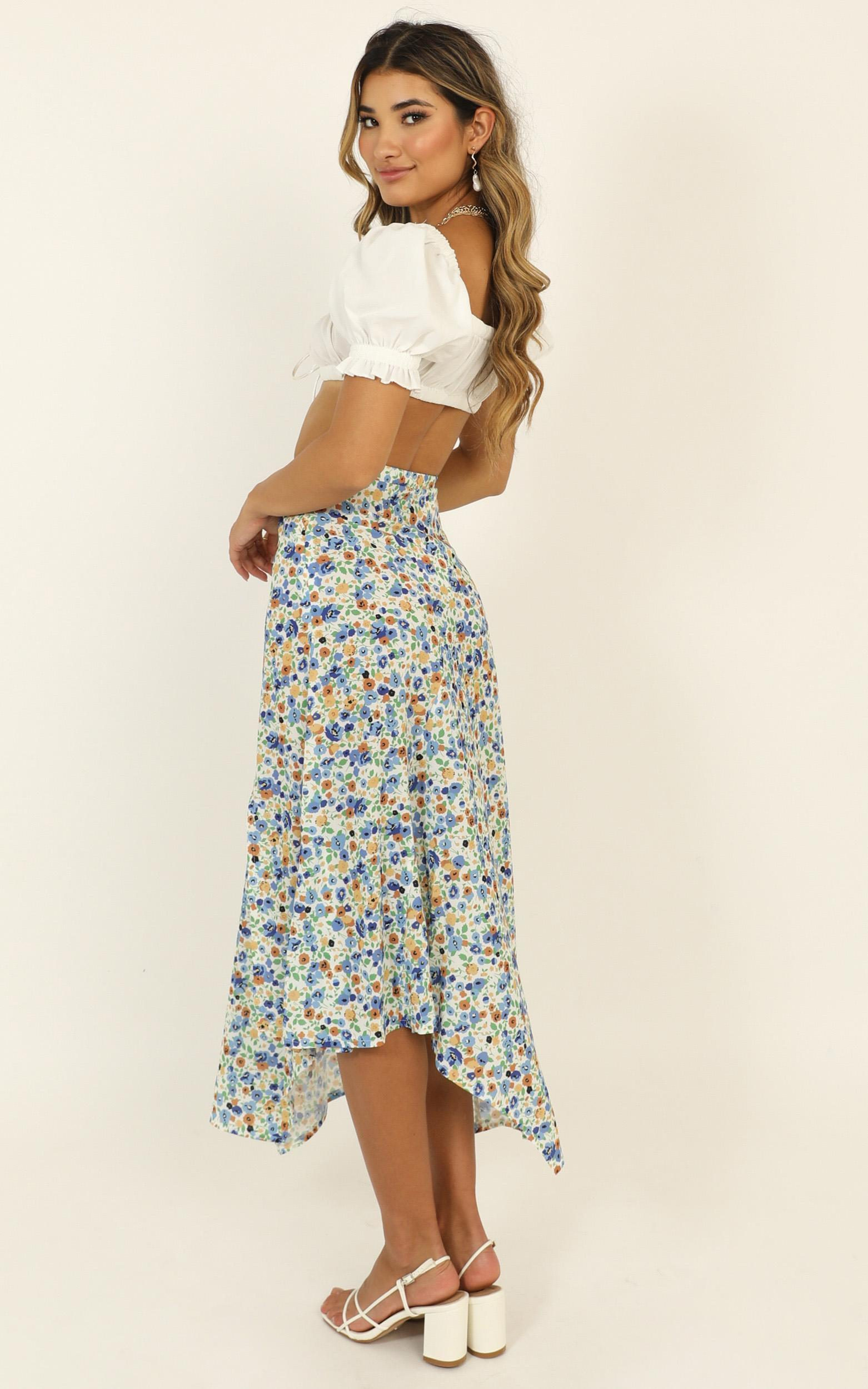 She Still Blooms skirt in blue floral - 16 (XXL), Blue, hi-res image number null