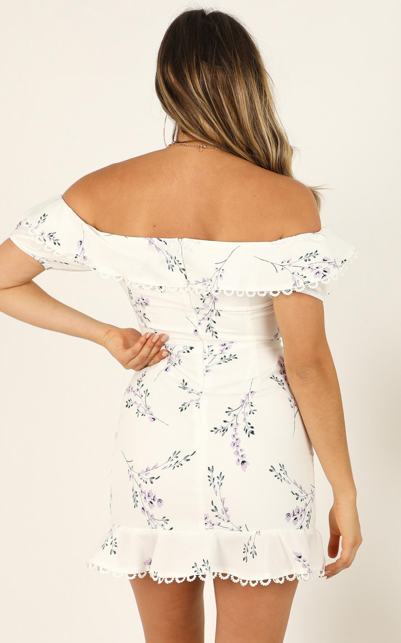 Wishing Hard dress in white floral - 16 (XXL), White, hi-res image number null