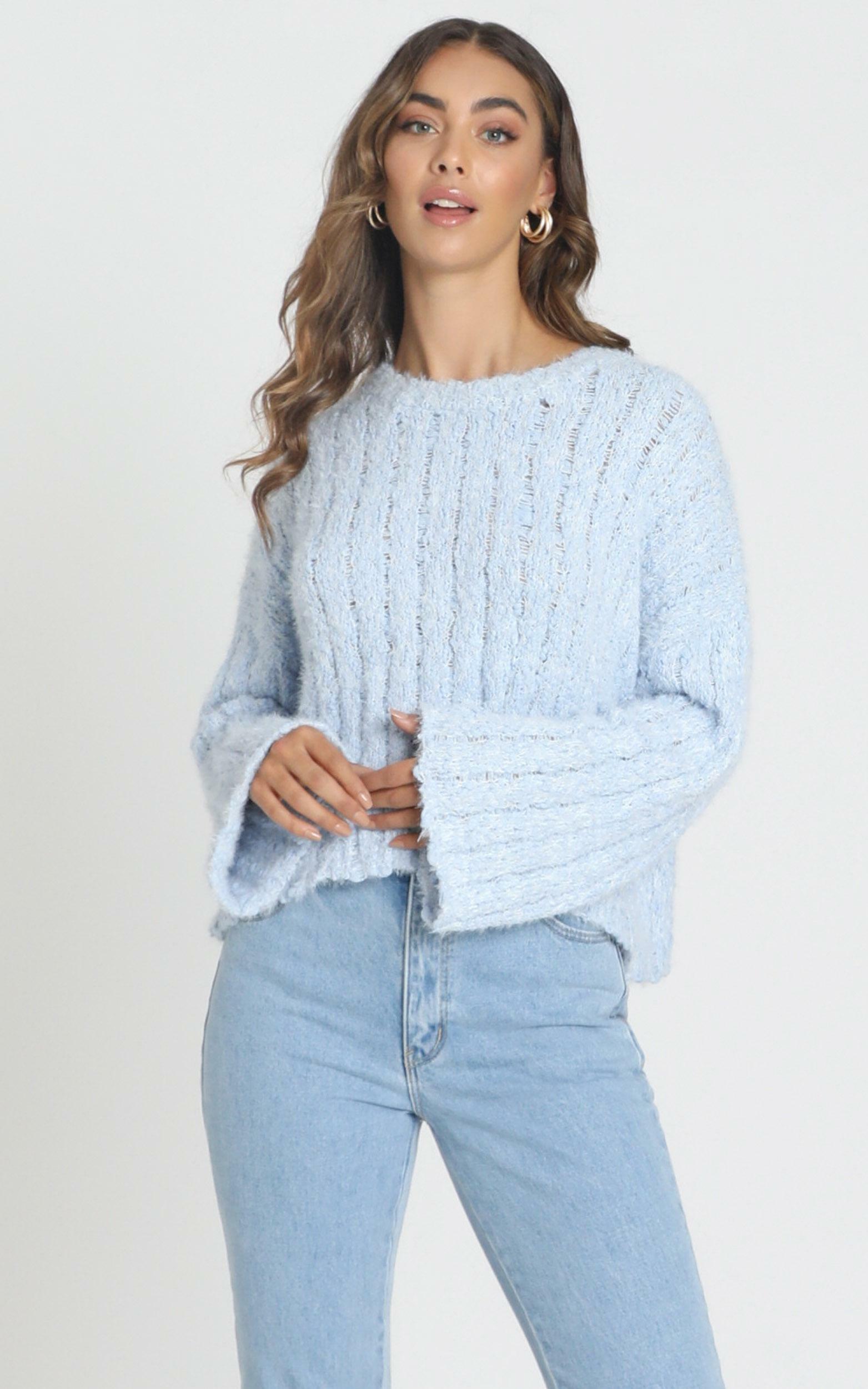 Bethen Fluffy Knit in blue - M/L, Blue, hi-res image number null