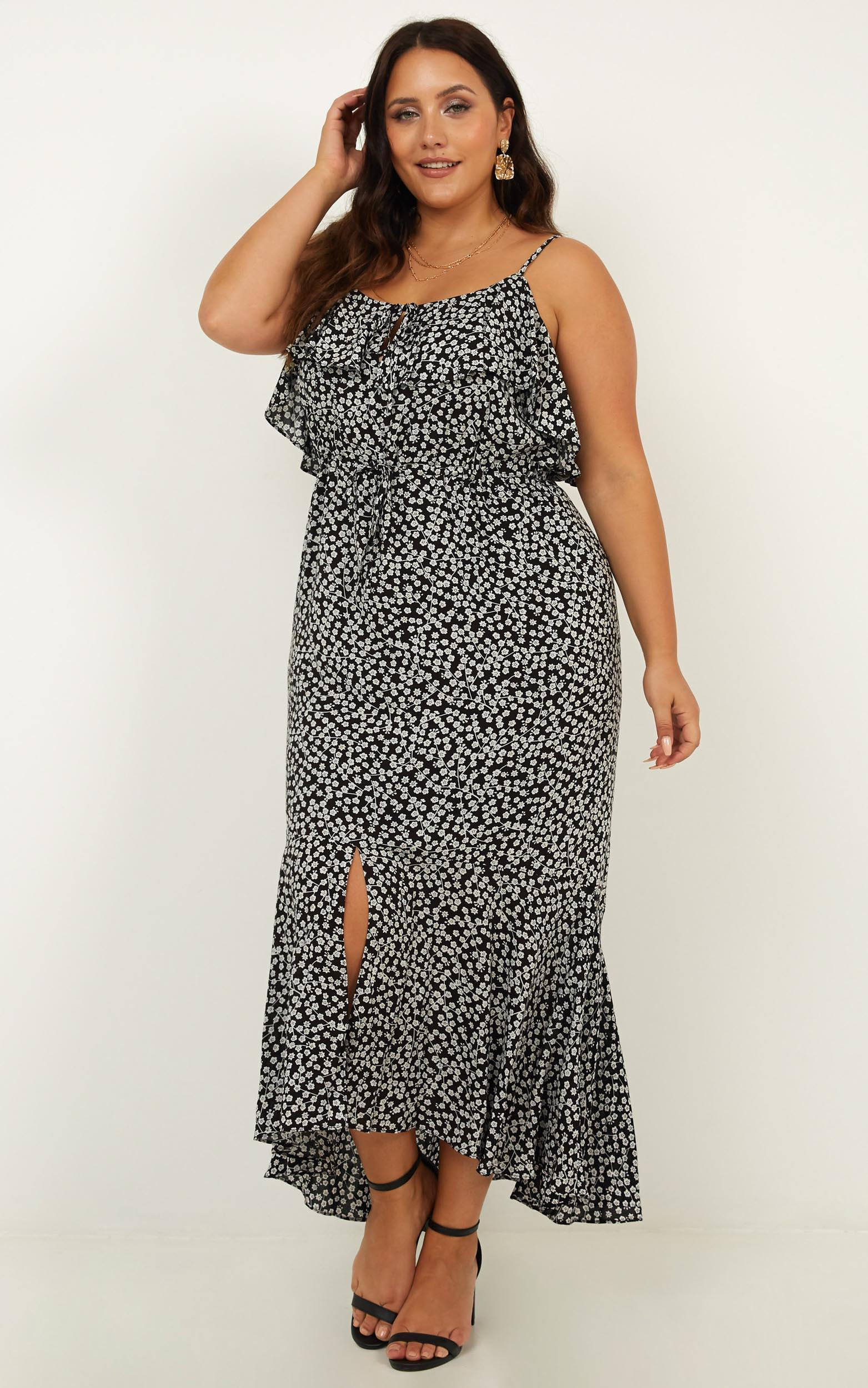 Chasing butterflies dress in black floral - 18 (XXXL), Black, hi-res image number null