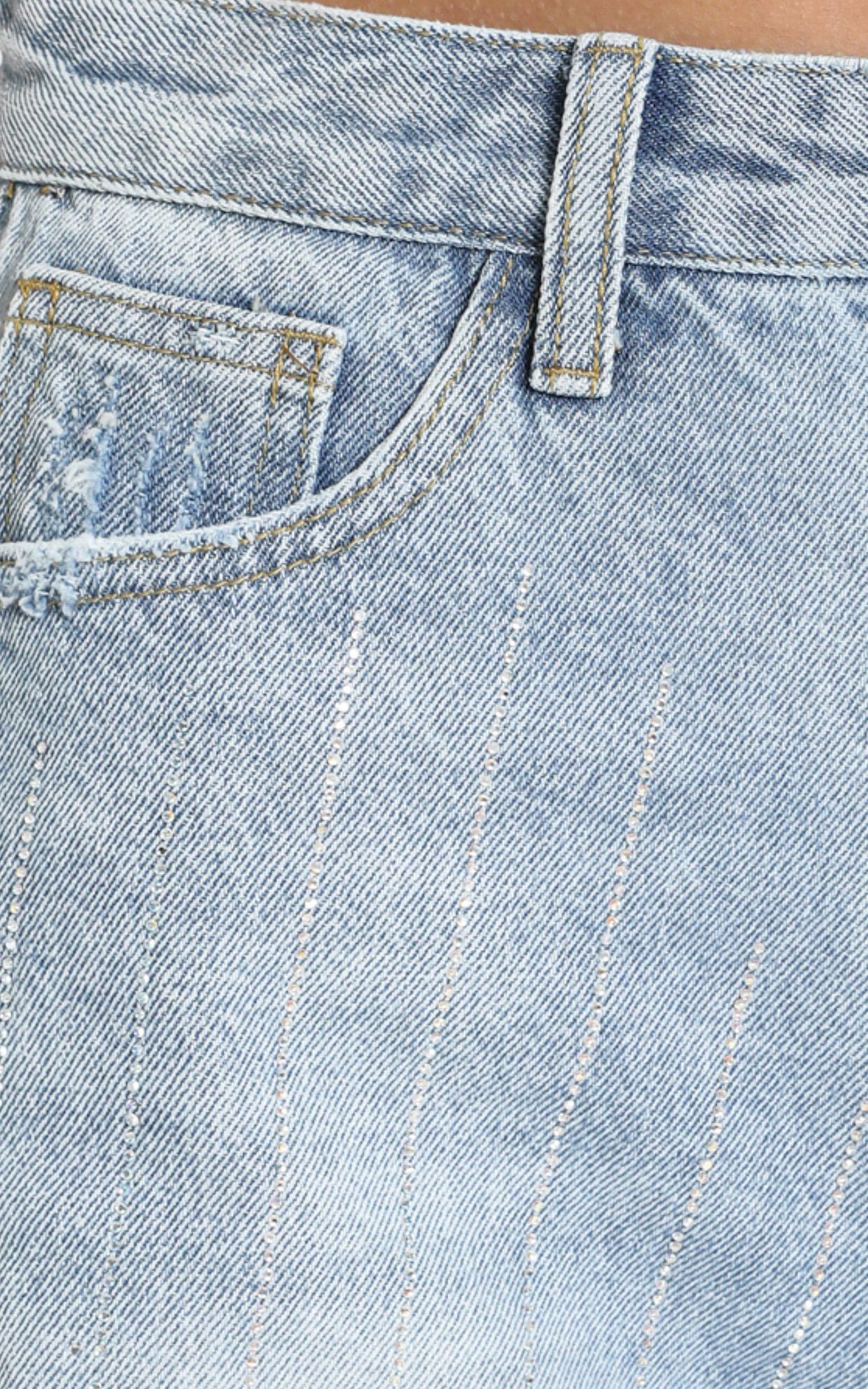 Crysanne Denim Shorts in light wash - 8 (S), Blue, hi-res image number null
