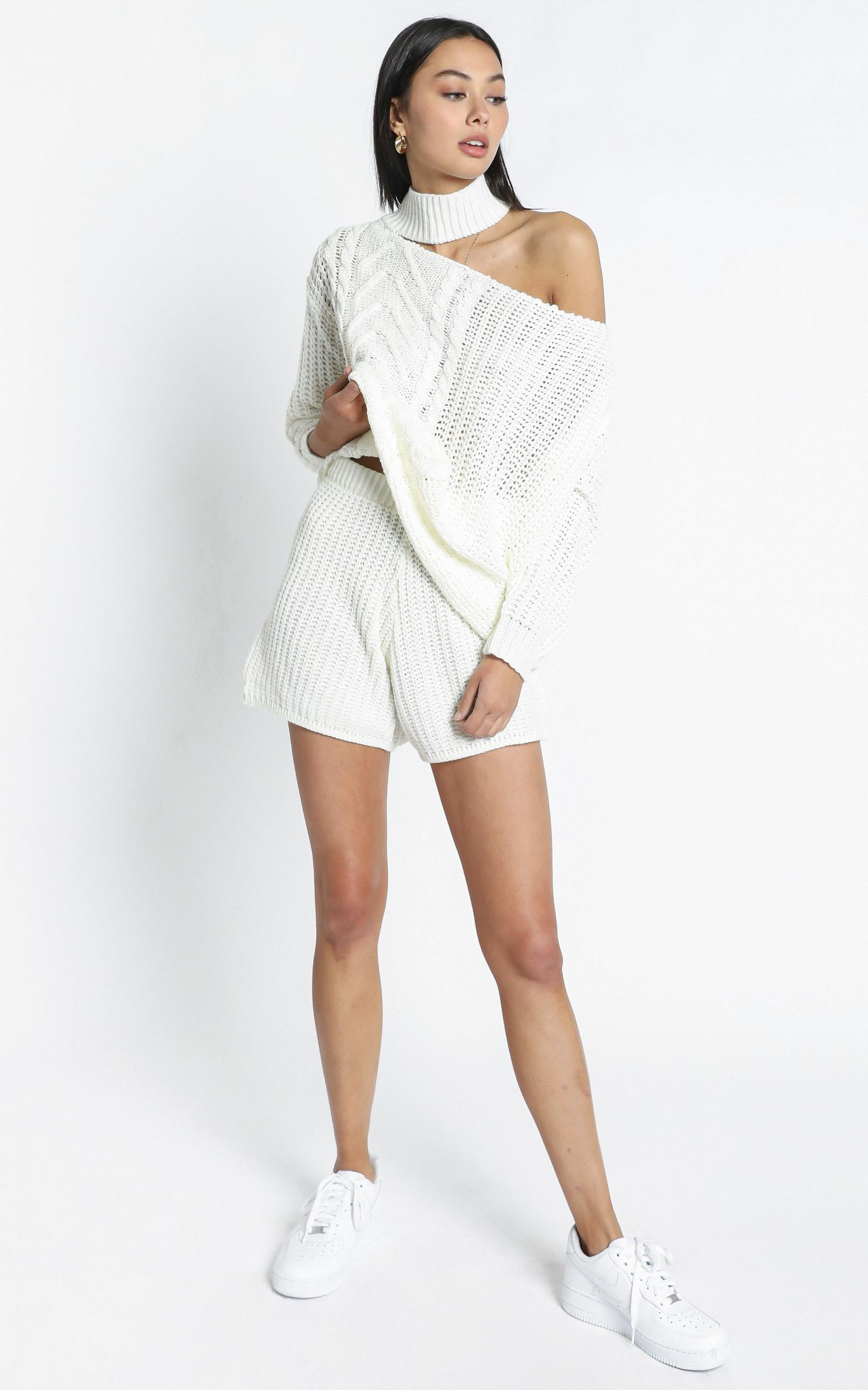 Elli Two Piece Set in White - L/XL, White, hi-res image number null