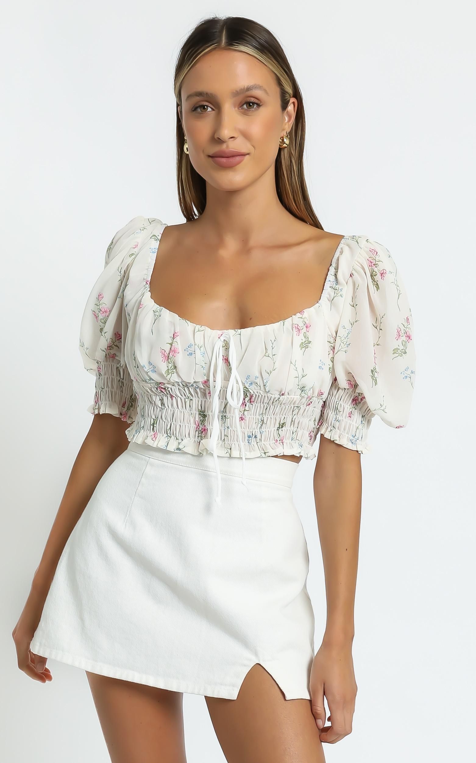 Esperanza Top in White Floral - 8 (S), White, hi-res image number null