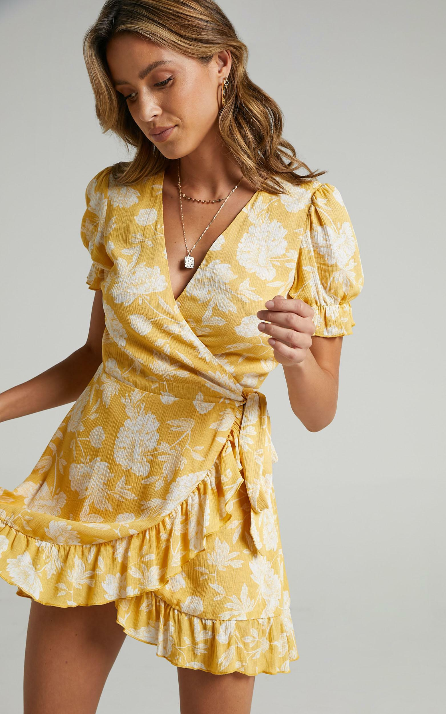 Seaside Views Dress in Yellow Floral - 18, YEL1, hi-res image number null