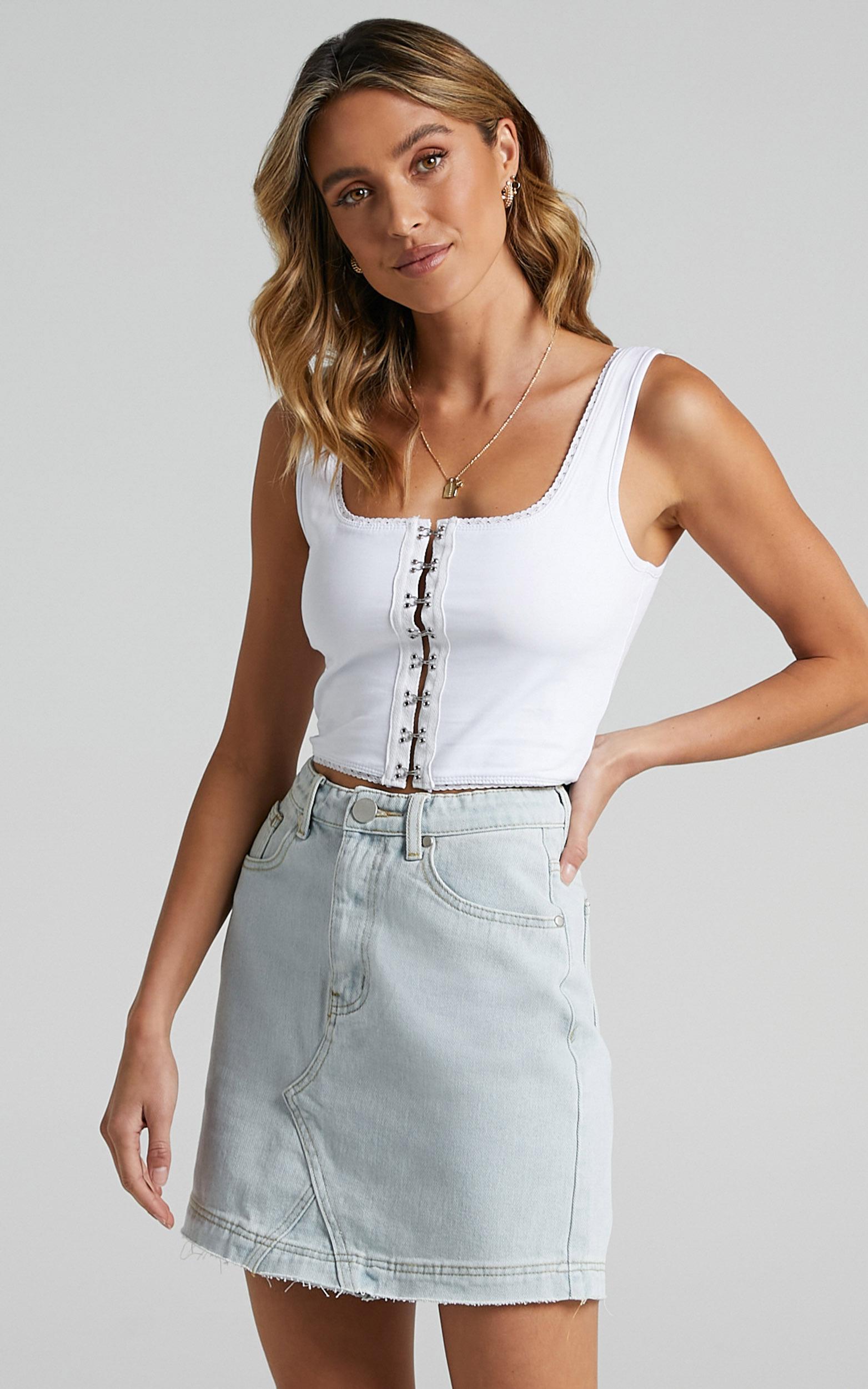 Acadia Denim Skirt in Light Vintage Wash - 06, BLU2, hi-res image number null