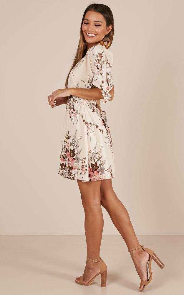 Dancing Around dress in cream floral - 14 (XL), Cream, hi-res image number null
