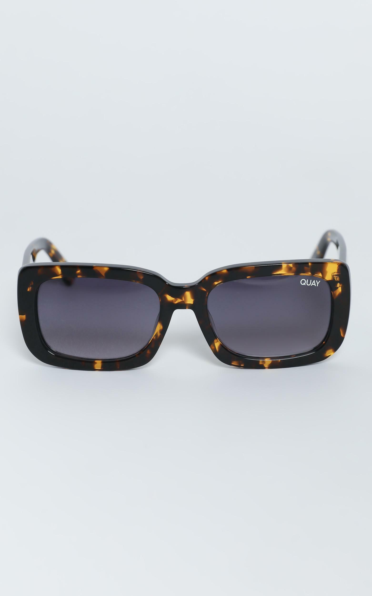 Quay - Yada Yada Sunglasses in Tort / Smoke, NEU4, hi-res image number null