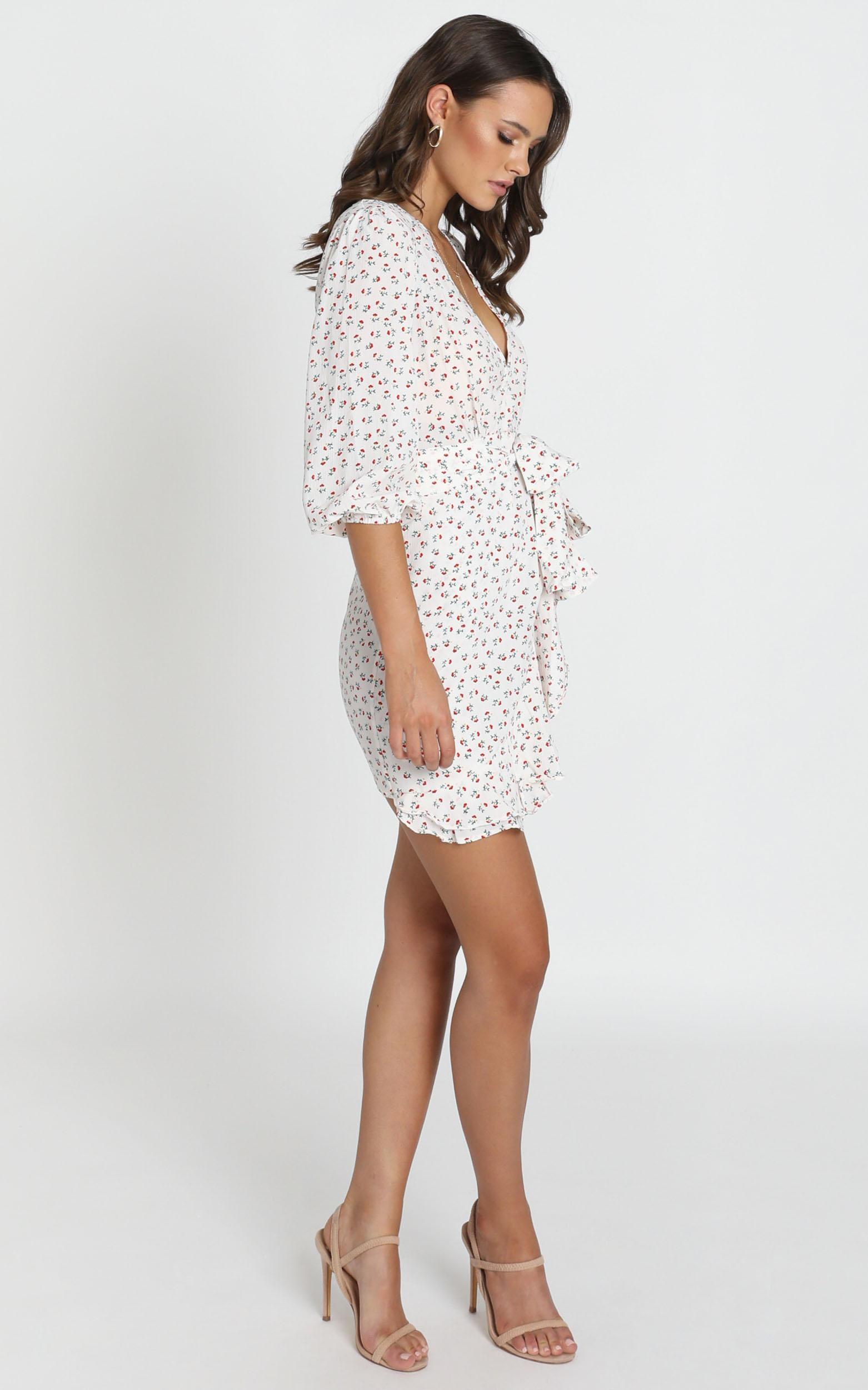 Shelby Dress with Waist Tie in white floral - 12 (L), White, hi-res image number null