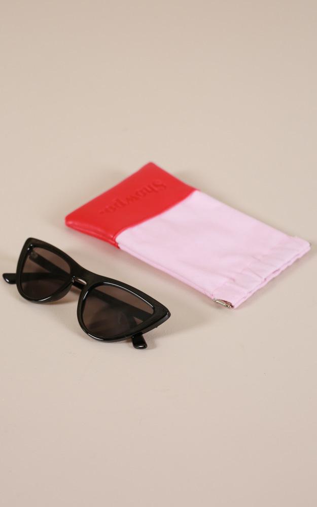 Hard To Handle sunglasses in black, Black, hi-res image number null