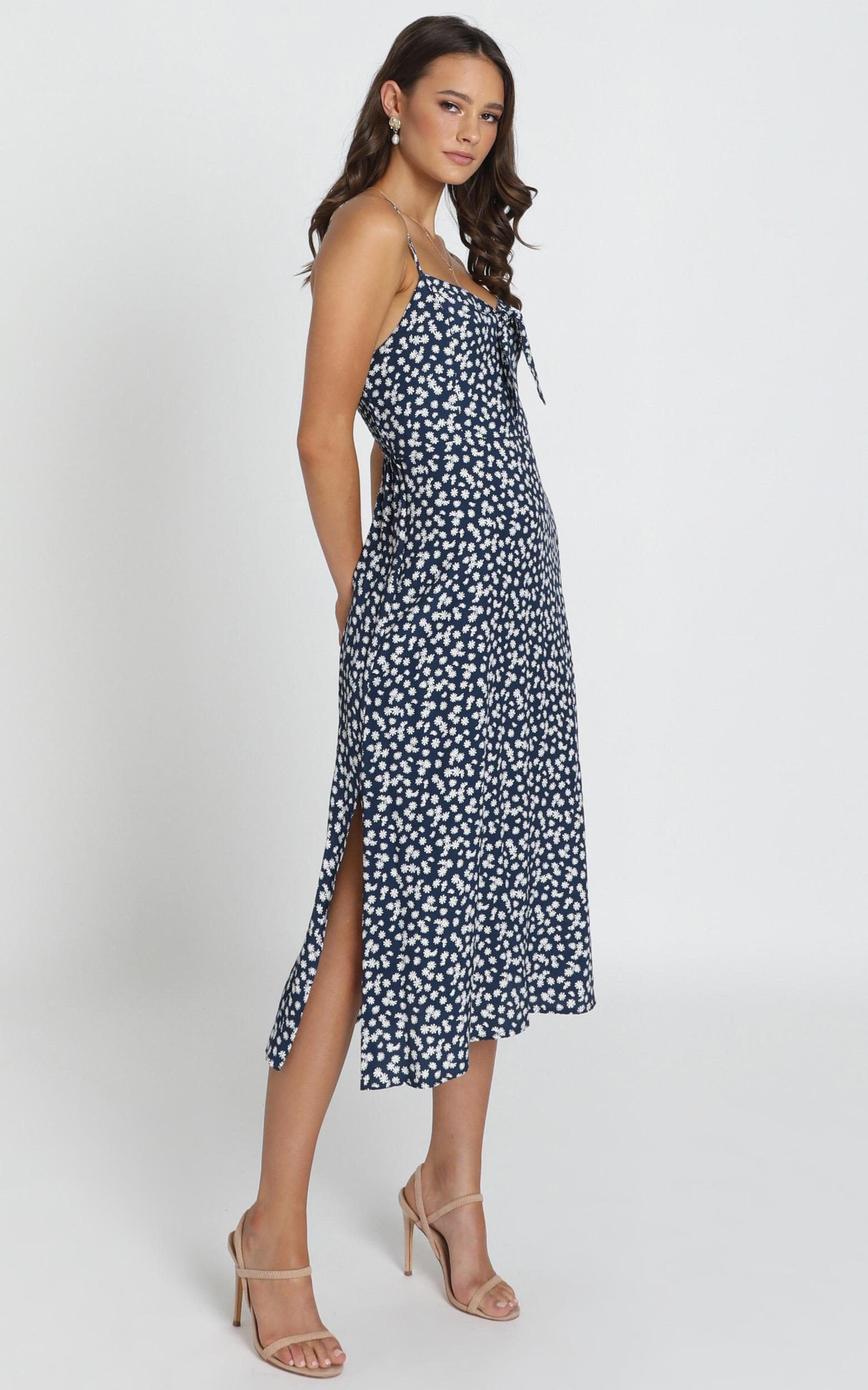 Norah Midi Dress in navy floral - 6 (XS), Navy, hi-res image number null