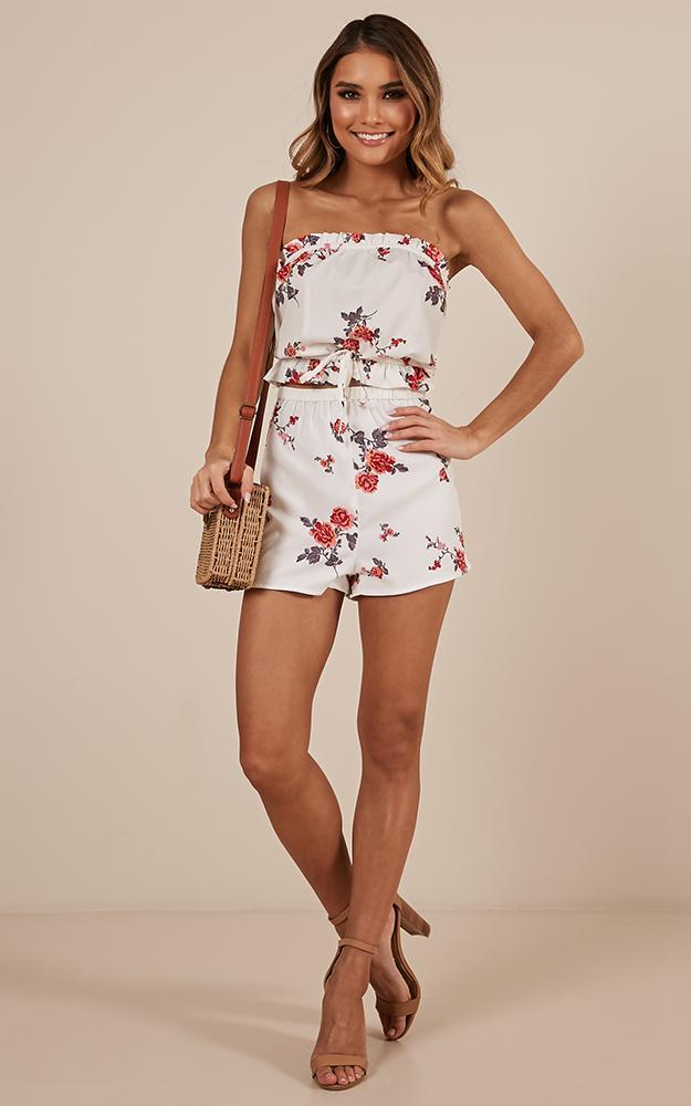 Lots of Love Two Piece Set in white floral - 20 (XXXXL), White, hi-res image number null