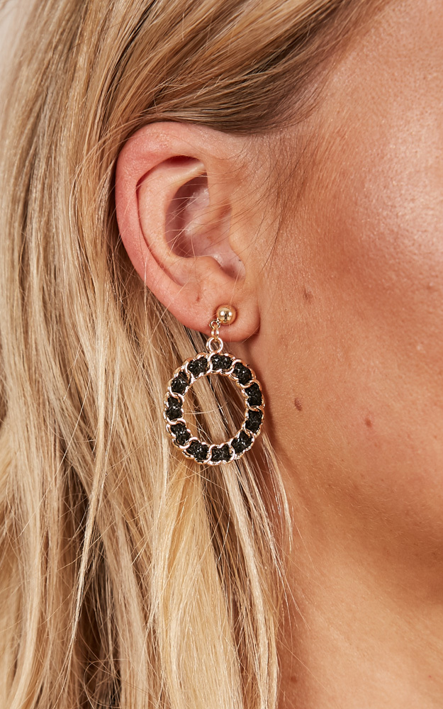 Getting Closer earrings in black and gold, , hi-res image number null