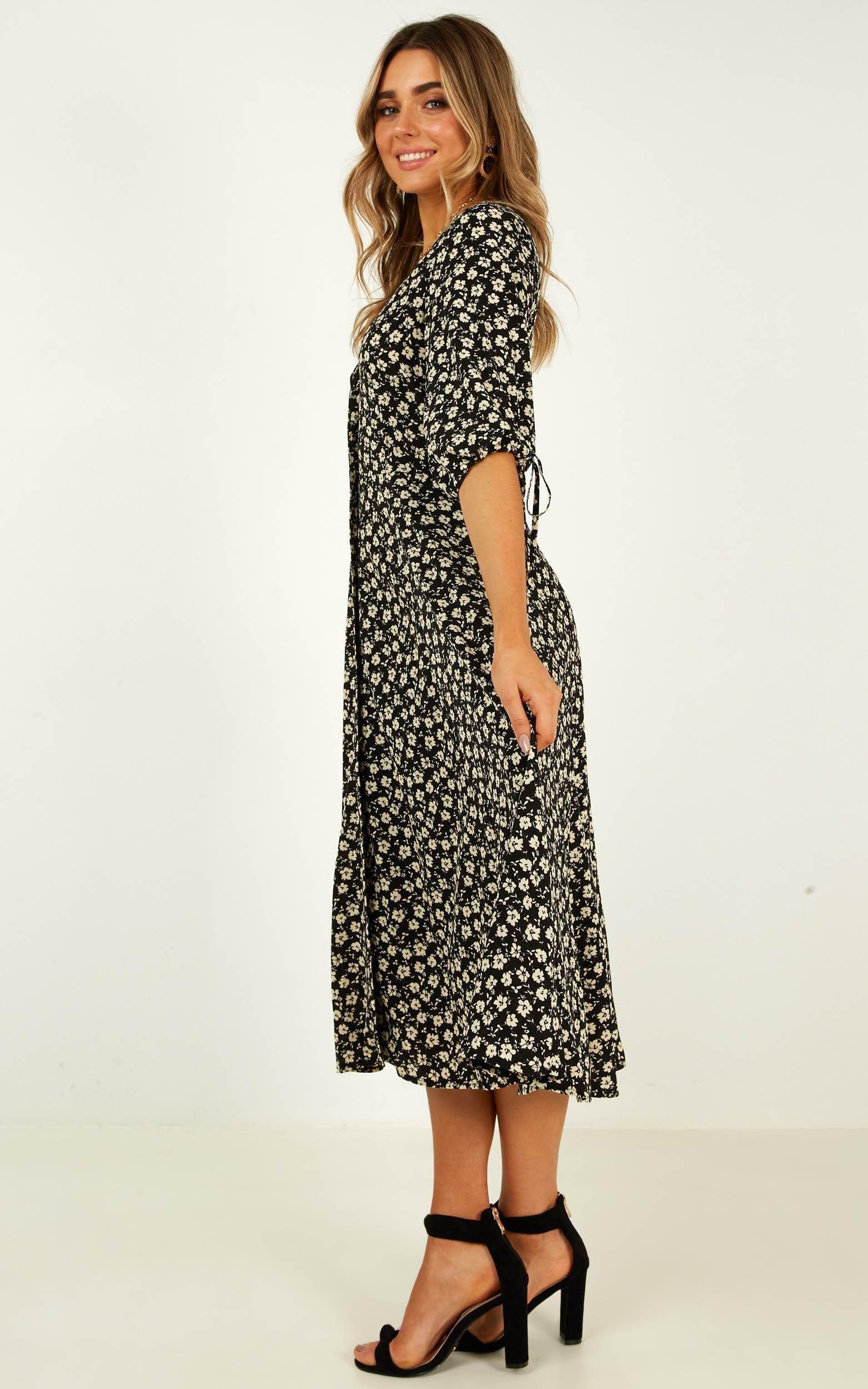 Tonal Feel Dress in black floral - 20 (XXXXL), Black, hi-res image number null