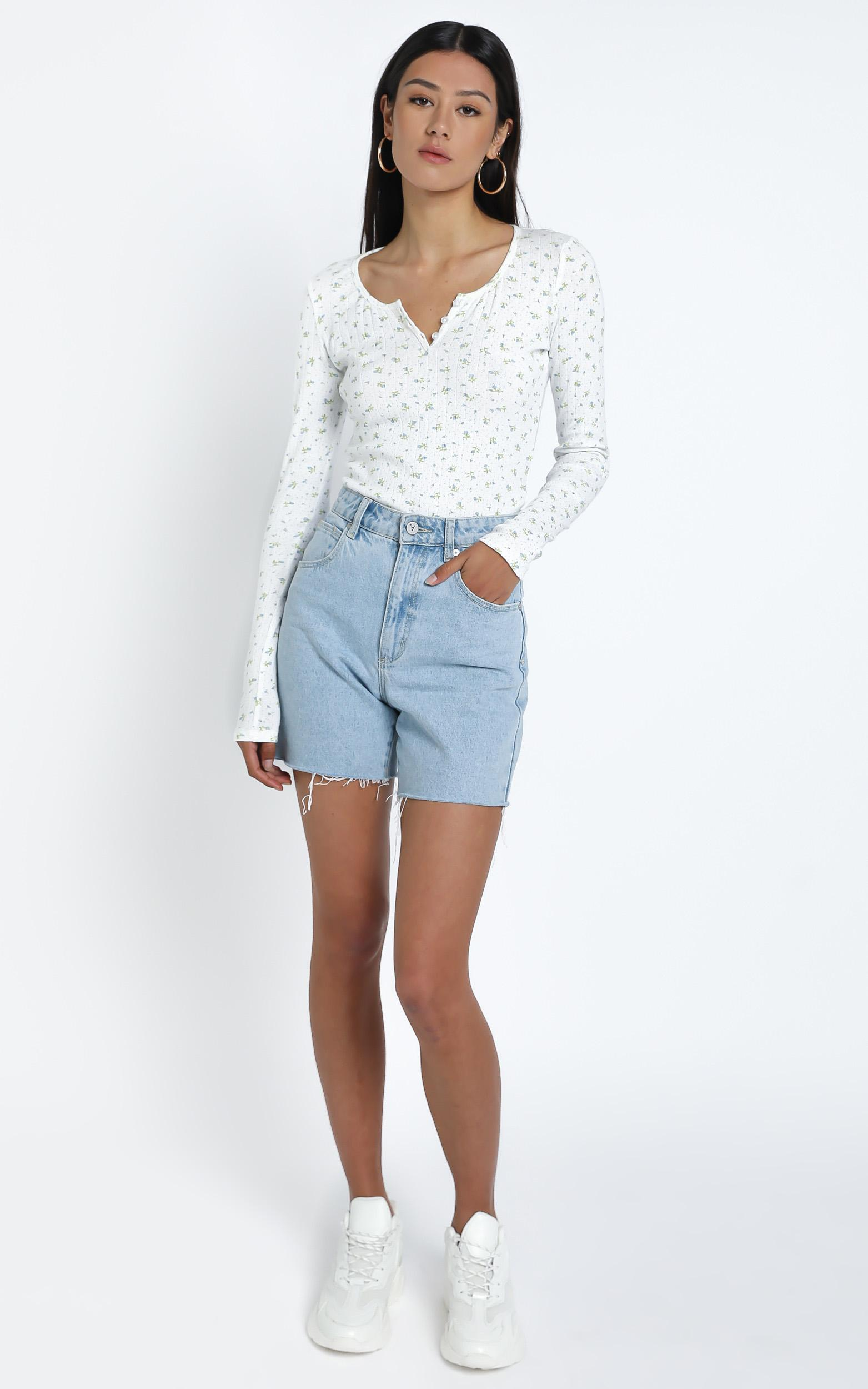 Bryony Top in White Floral - 16 (XXL), White, hi-res image number null