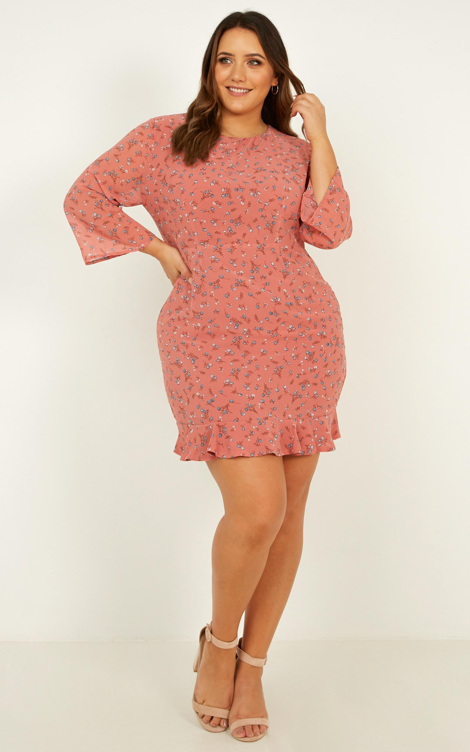 Baby You Got Me Dress In dusty rose floral - 20 (XXXXL), Pink, hi-res image number null