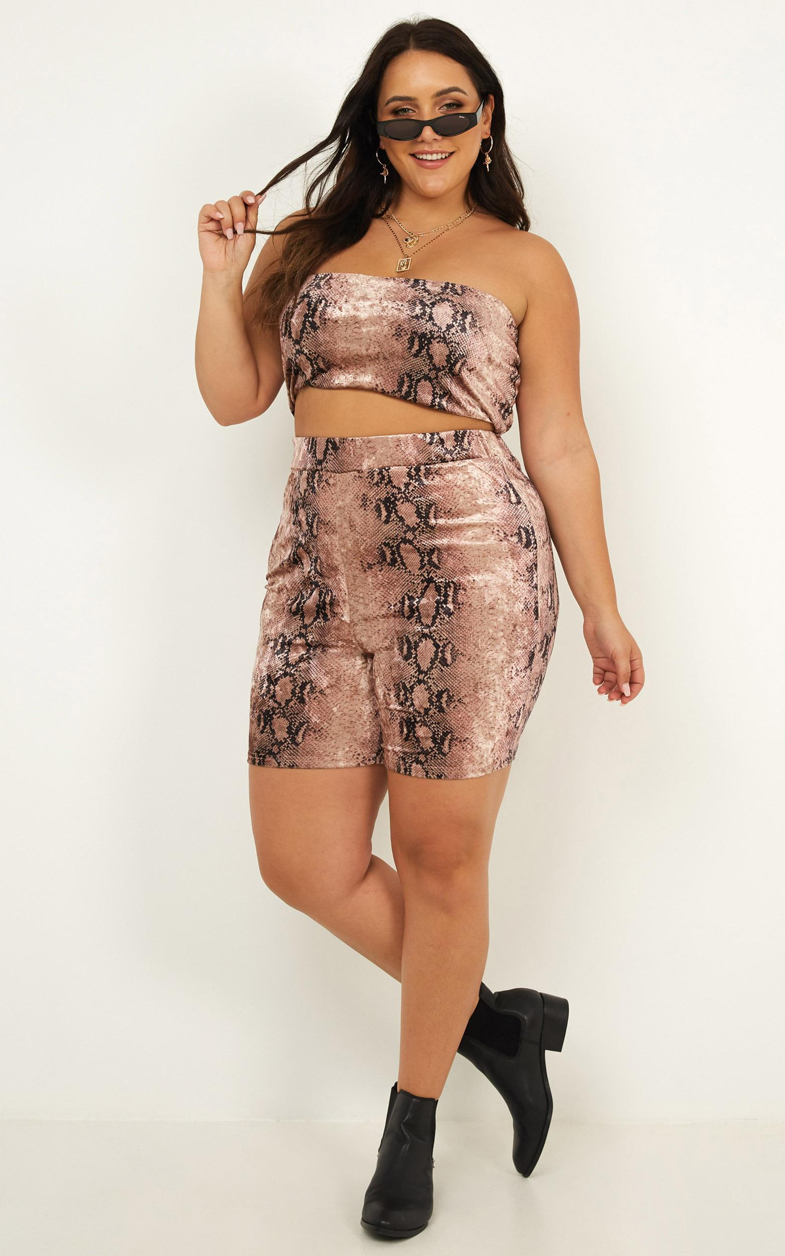 Rock Around The Clock Two Piece Set in pink snake velvet  - 18 (XXXL), Pink, hi-res image number null