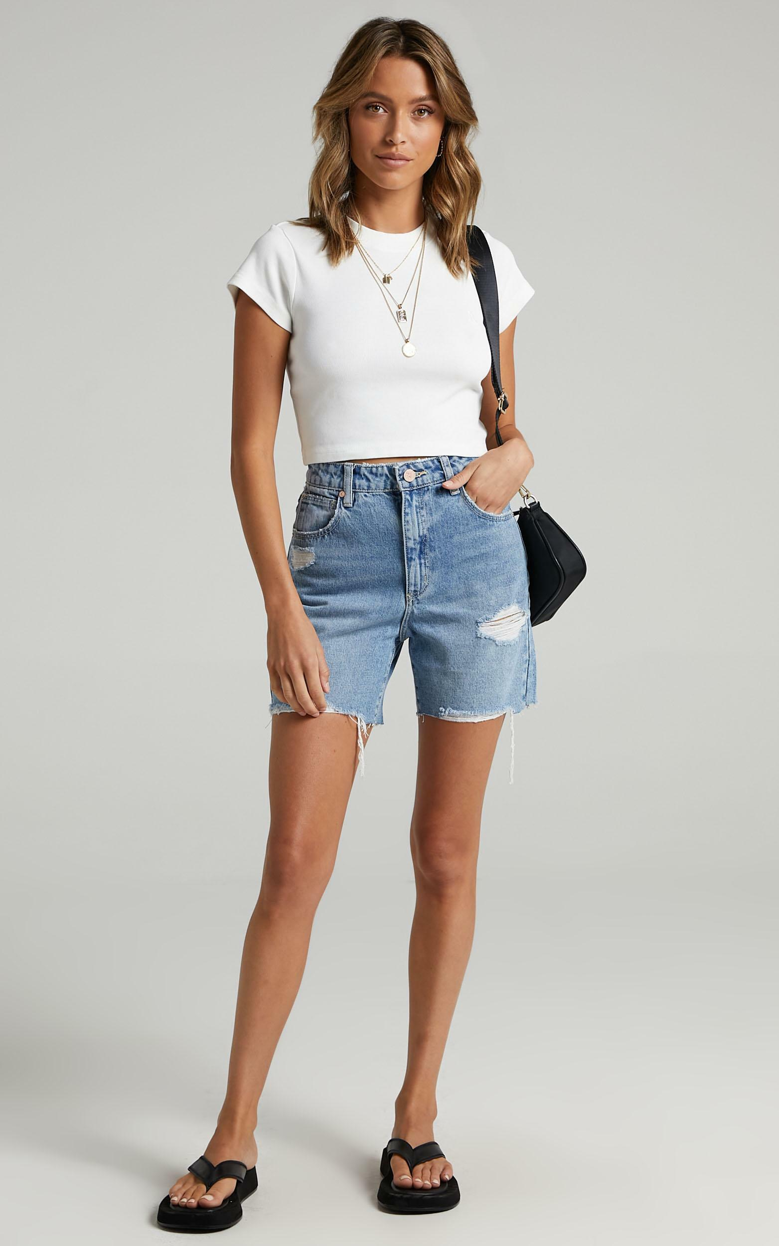 Abrand - 90s Crop Tee in White Sand - 8 (S), White, hi-res image number null