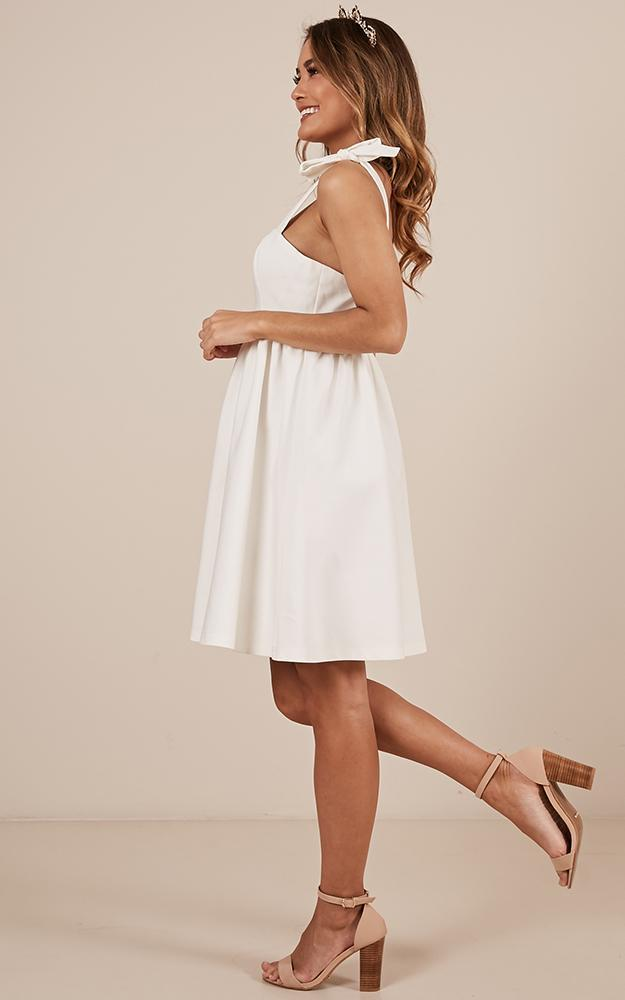 Get The Memo Dress in white - 20 (XXXXL), White, hi-res image number null